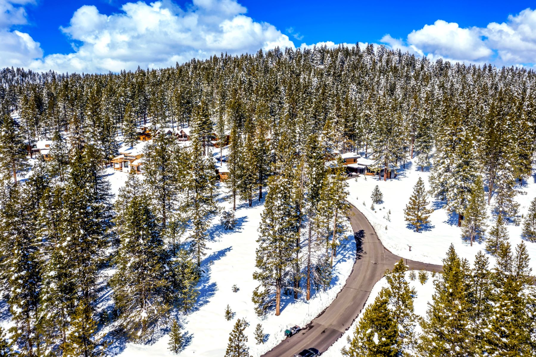 Land for Active at Build your Dream Home in Gray's Crossing 11191 Ghirard Rd., Lot W12 Truckee, California 96161 United States