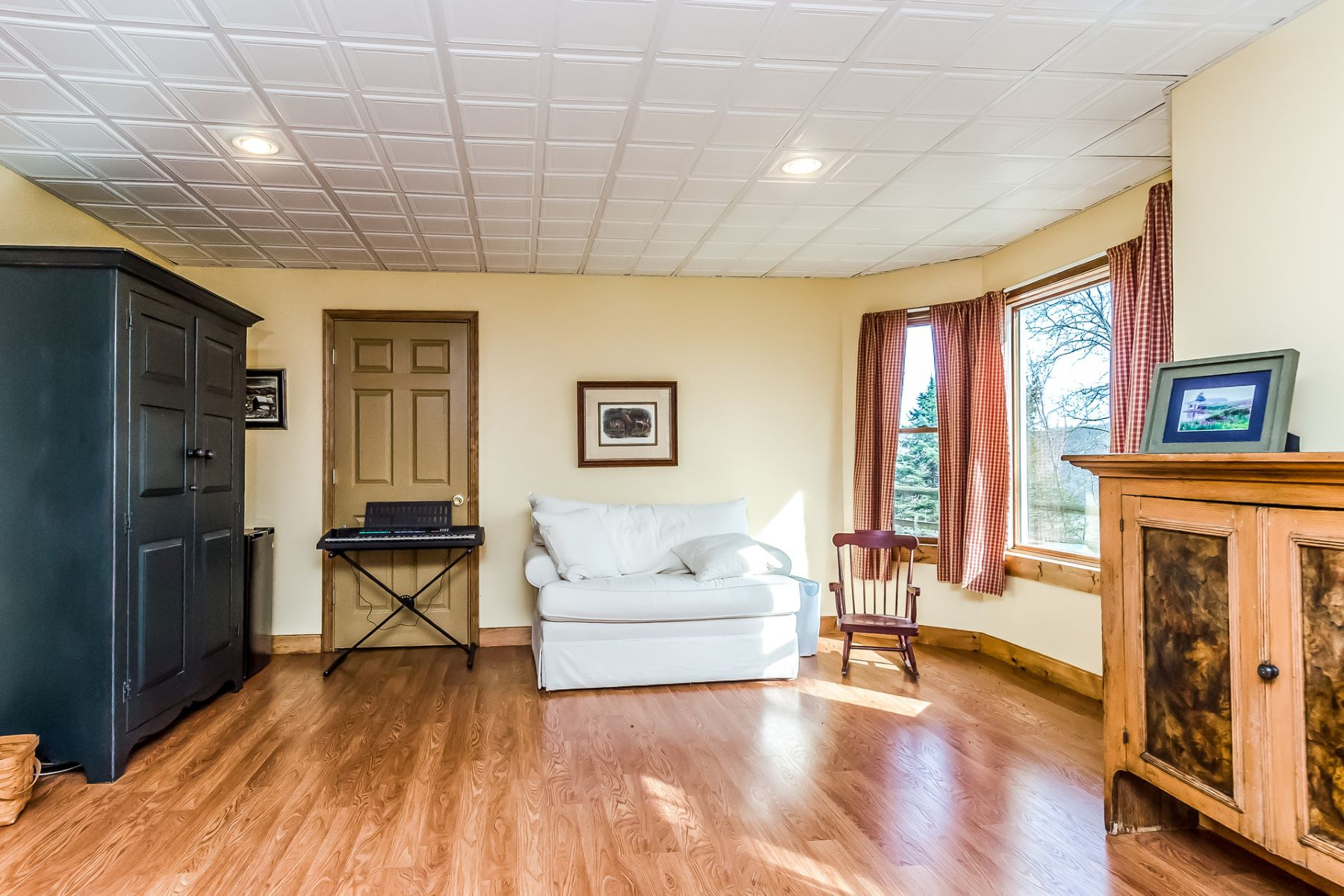 Additional photo for property listing at A Once In A Lifetime Opportunity - Holland Township 94 Riegelsville Road, Milford, New Jersey 08848 United States