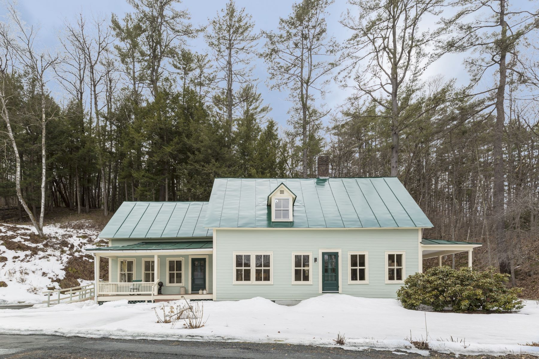 Single Family Homes for Sale at Three Bedroom Farmhouse on Ompompanoosuc River 227 Vt Route 132 Norwich, Vermont 05055 United States