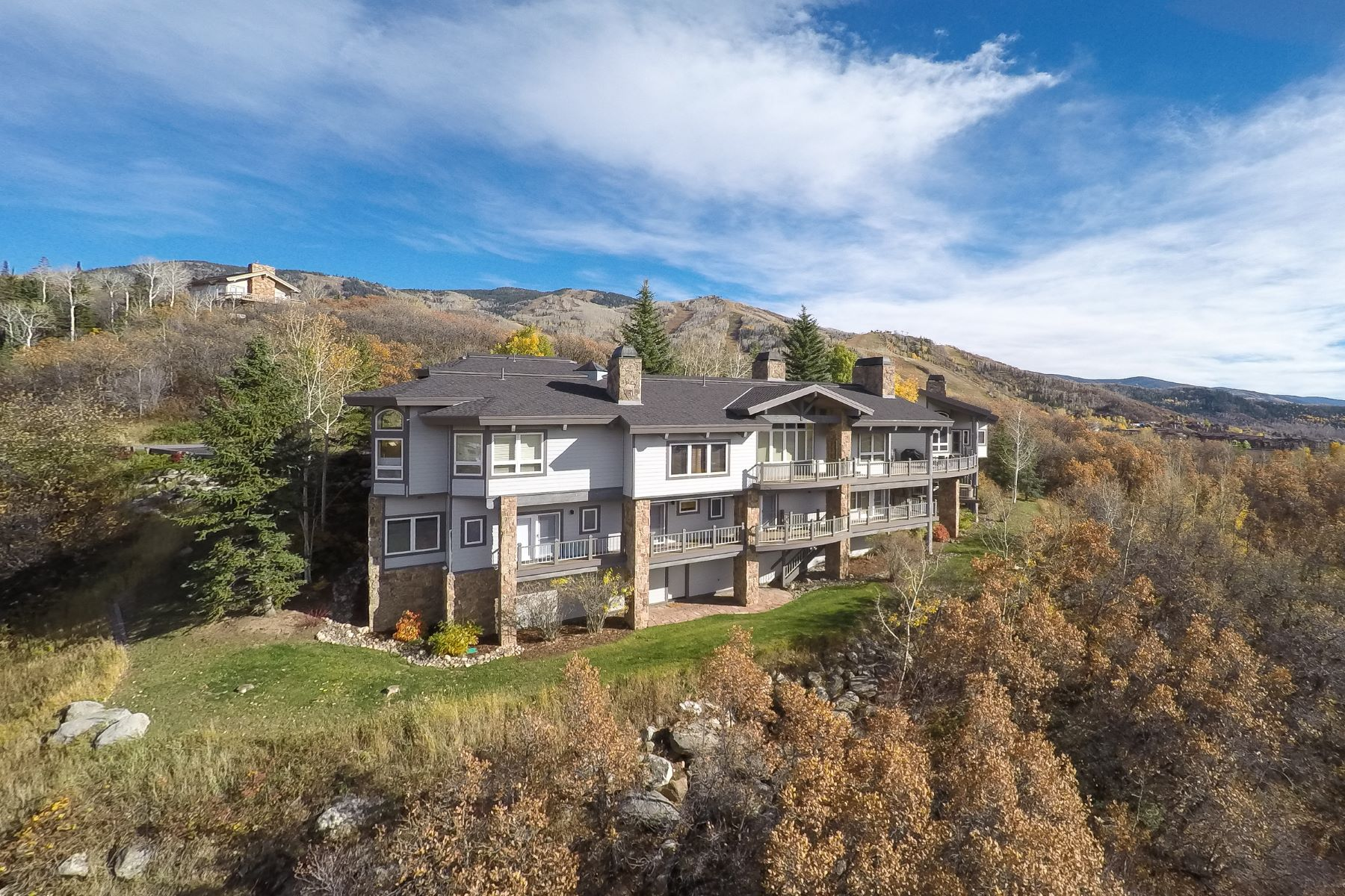 Single Family Home for Sale at 5 BD Home Overlooking the Rollingstone Golf Course 1295 Overlook Dr Steamboat Springs, Colorado 80487 United States