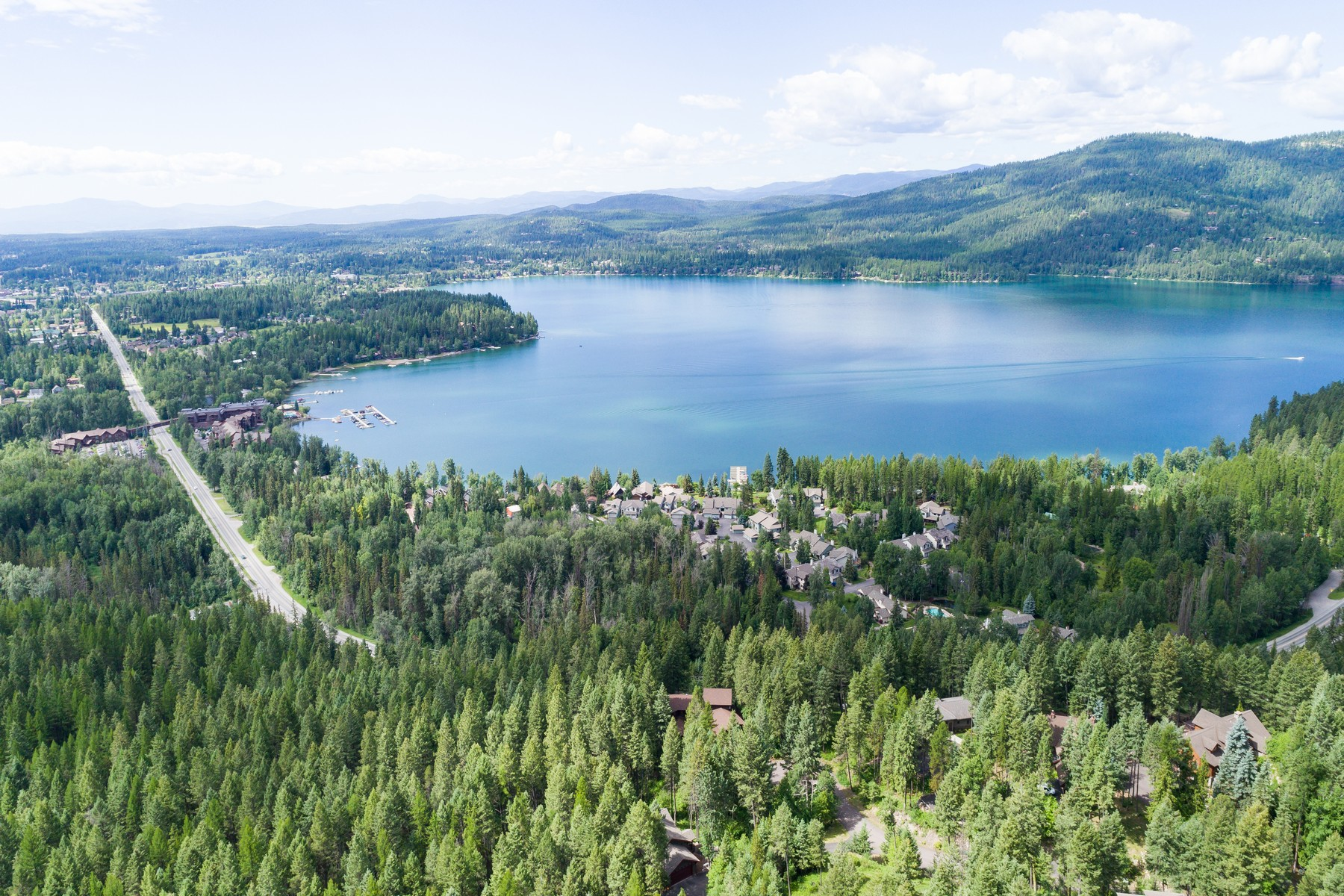 Additional photo for property listing at 2043 Ridgecrest Dr , Whitefish, MT 59937 2043  Ridgecrest Dr Whitefish, Montana 59937 United States