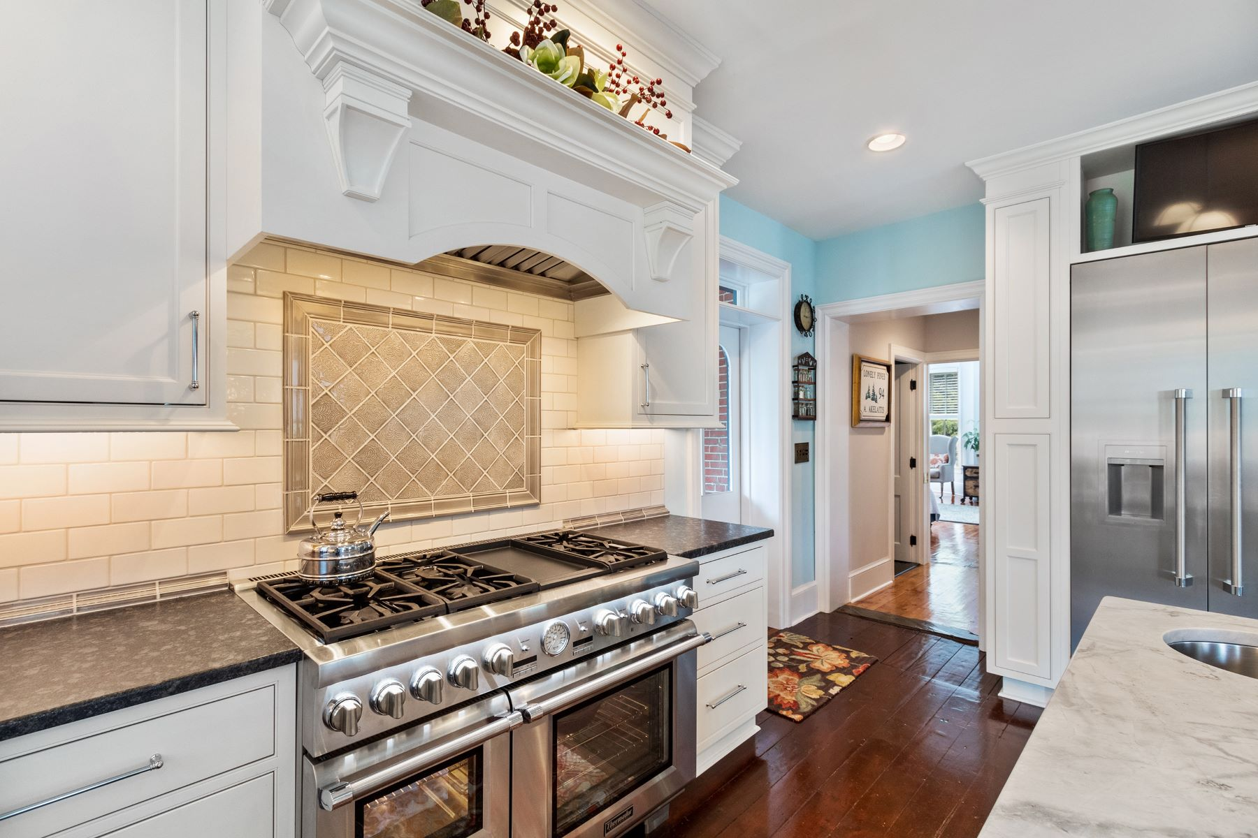Additional photo for property listing at Sophisticated Victorian 22 Jefferson St, Lambertville, New Jersey 08530 United States