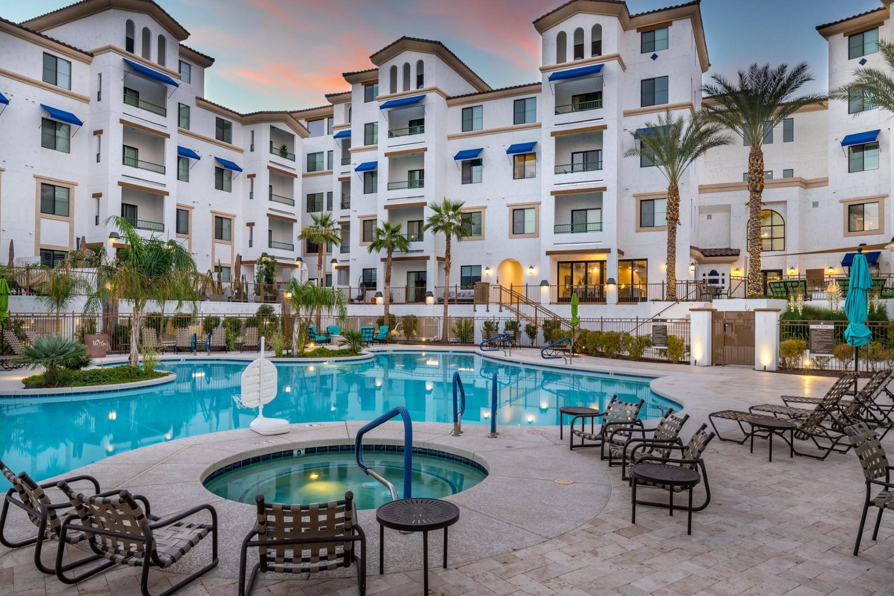 Apartments por un Venta en Cays In Downtown Ocotillo 2511 W Queen Creek RD 236 Chandler, Arizona 85248 Estados Unidos
