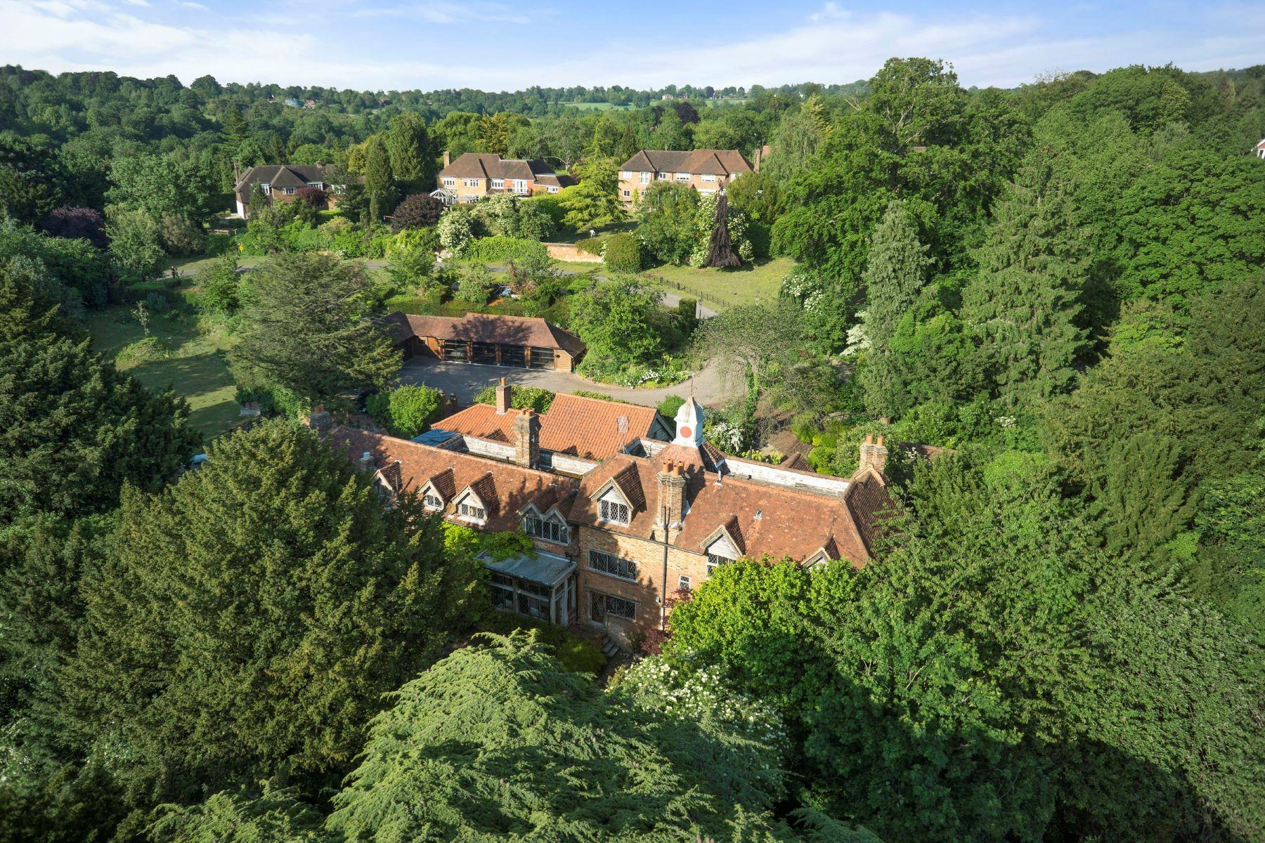 独户住宅 为 销售 在 Country Living Leatherhead, 英格兰, 英国