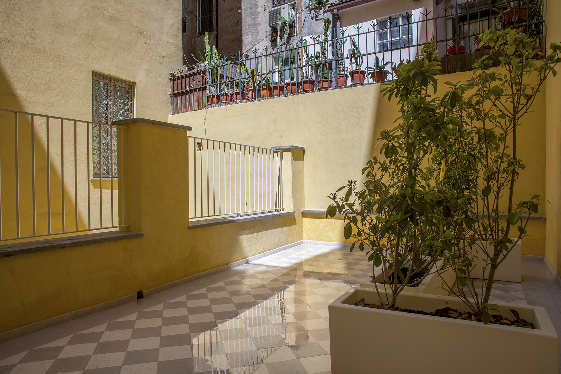 Additional photo for property listing at Apartment in the historic Valenti building, totally renovated Via dei Serpenti Rome, Rome 00184 Italy