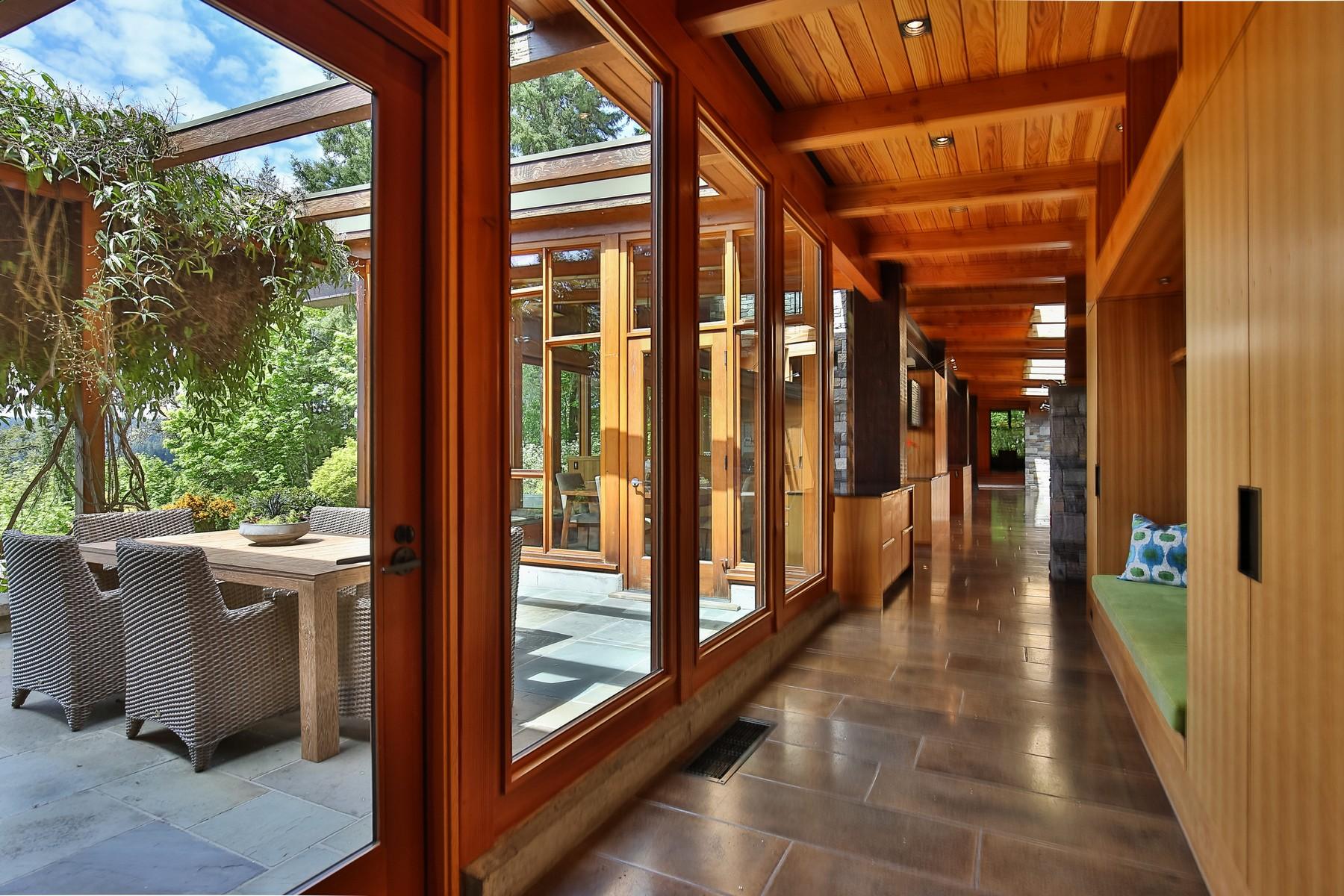Additional photo for property listing at Picturesque waterfront estate RES5/3 Undisclosed Bainbridge Island, Washington 98110 United States