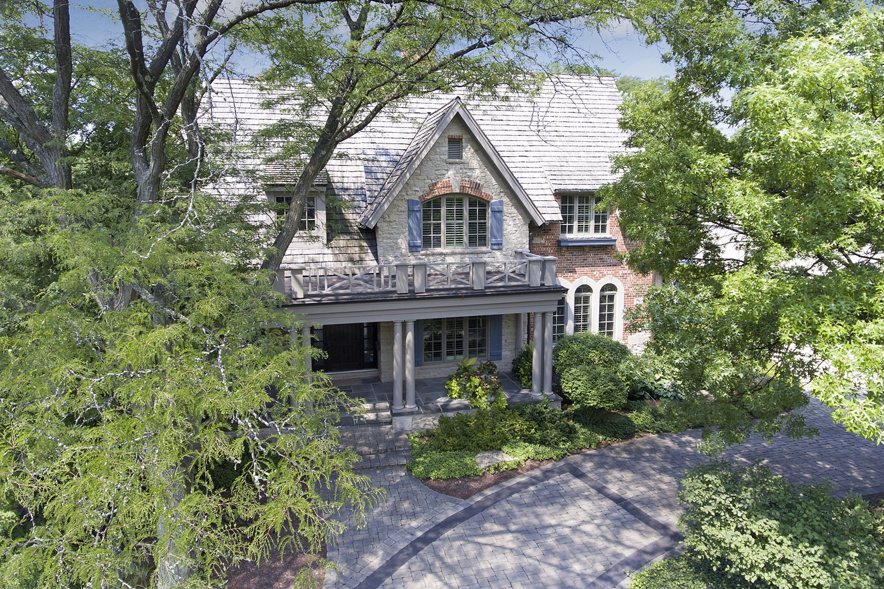 Single Family Home for Sale at 736 Cleveland Road Hinsdale, Illinois, 60521 United States