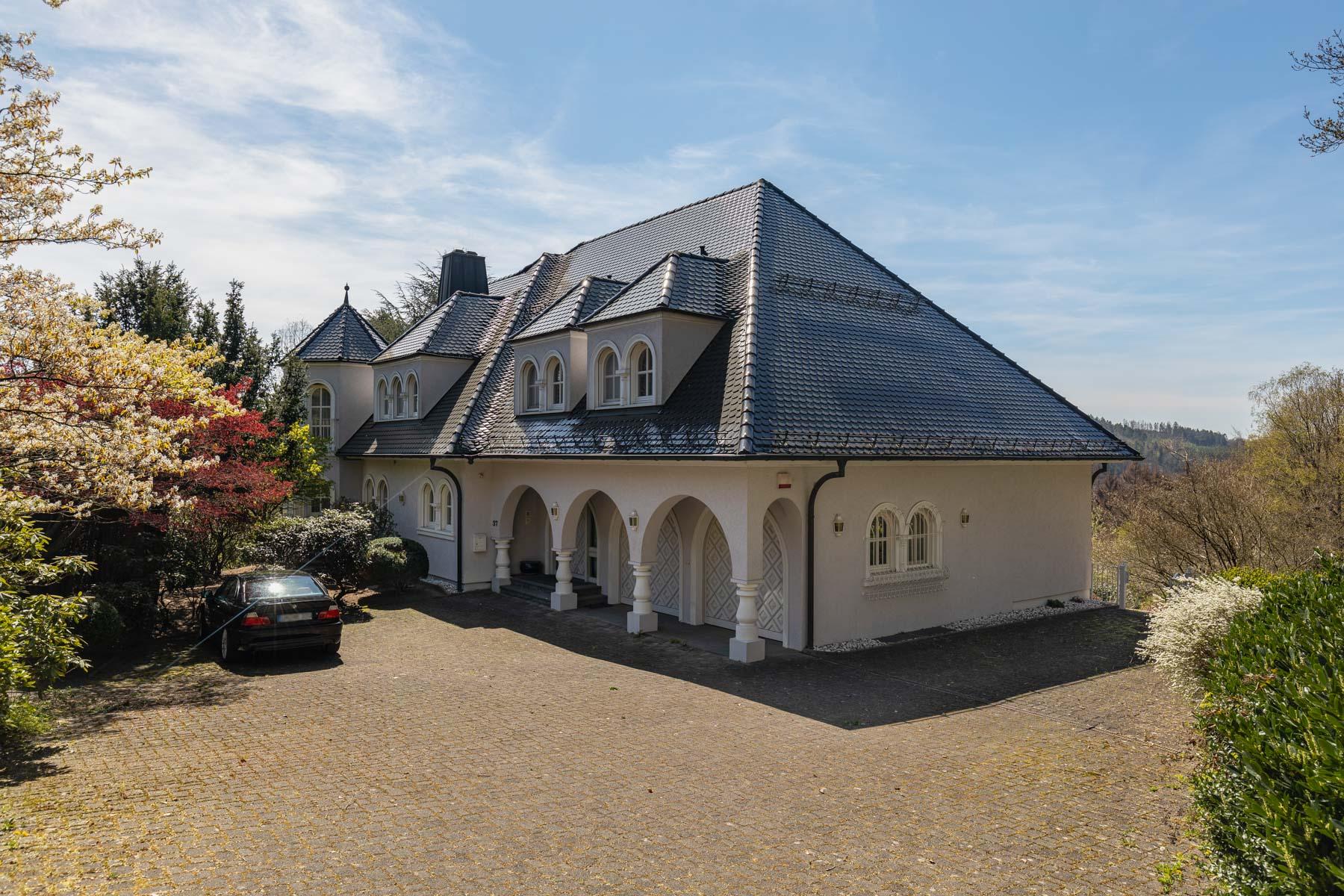 Single Family Homes for Sale at Hermannsburgstr. 37, 51643 Gummersbach Hermannsburgstr. 37 Other North Rhine Westphalia, North Rhine Westphalia 51643 Germany