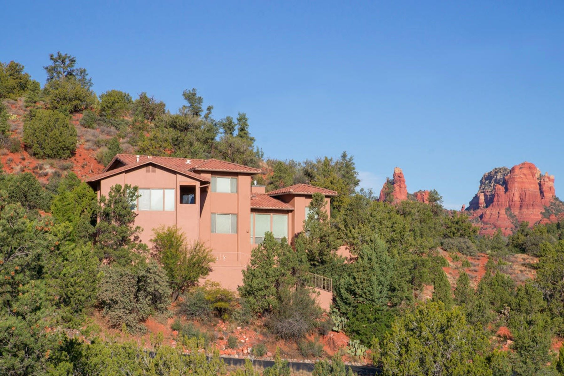 Single Family Home for Sale at Elegant Home With Spectacular Views 180 Barcelona Rd Sedona, Arizona, 86336 United States