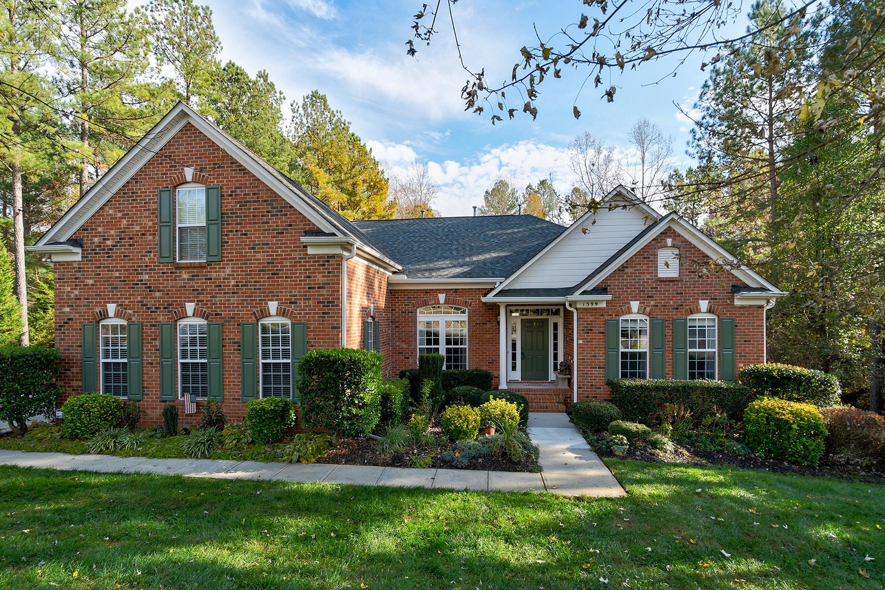 Single Family Homes 为 销售 在 1399 Verdict Ridge Dr 丹佛, 北卡罗来纳州 28037 美国