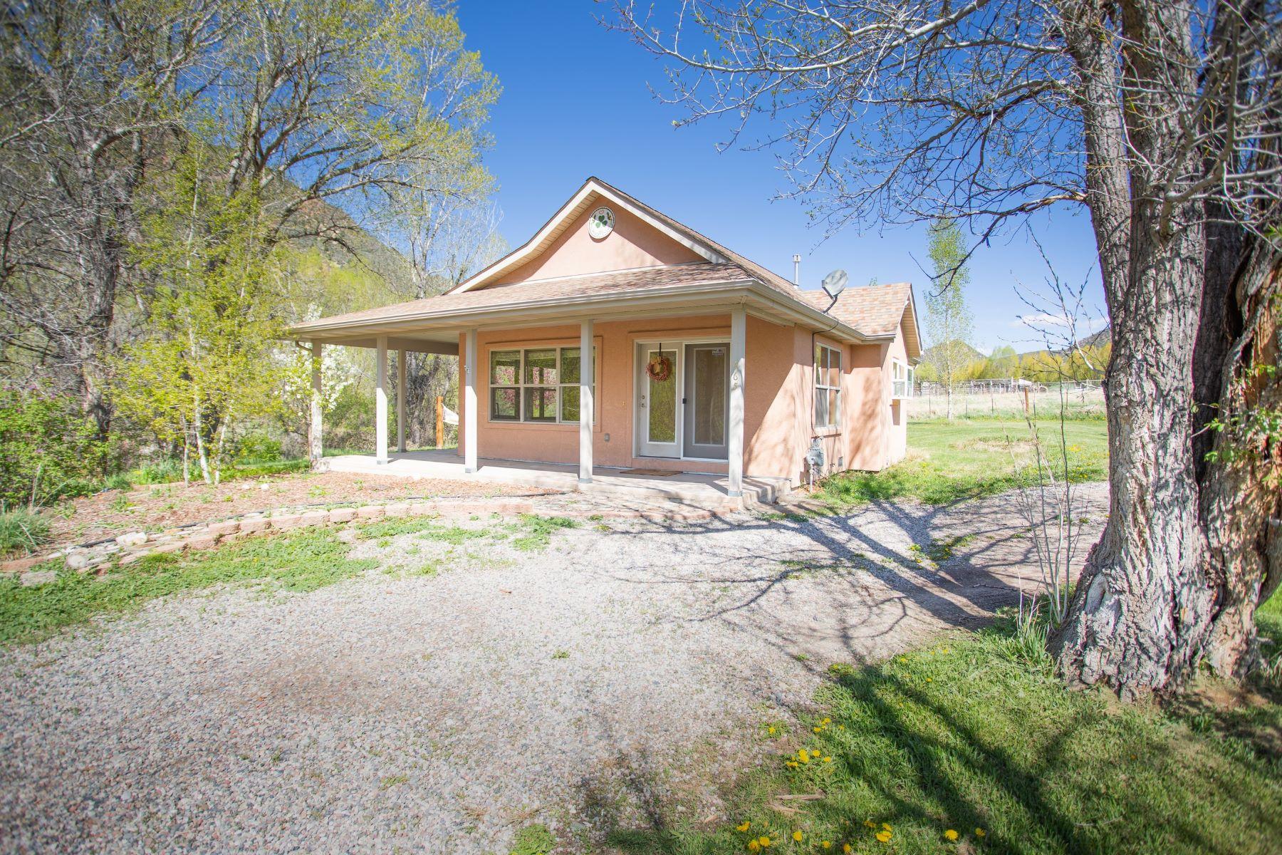 Otras residenciales por un Venta en OPEN AND AIRY FLOOR PLAN 465 Shewana Lane New Castle, Colorado 81647 Estados Unidos