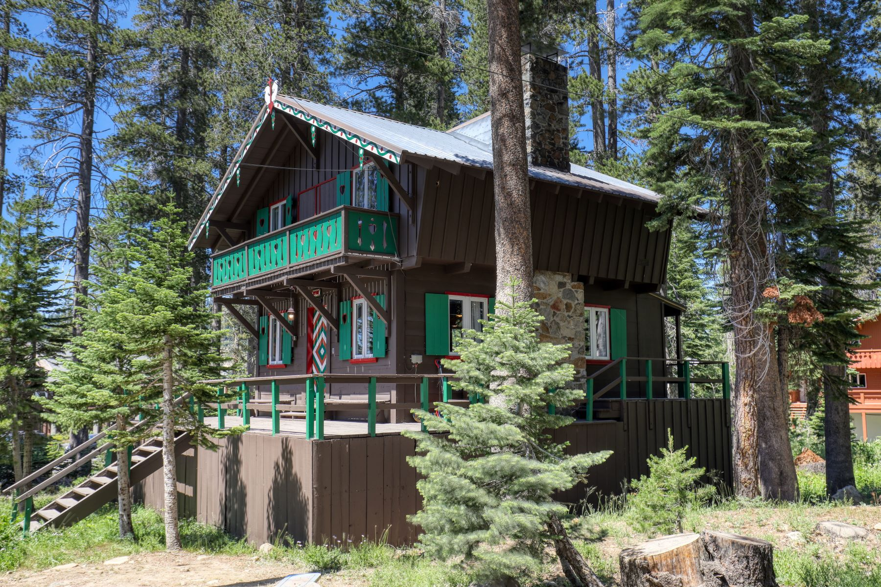 Single Family Homes for Active at Iconic Sugar Bowl Cabin 58555 Corn Lily Lane Norden, California 95724 United States