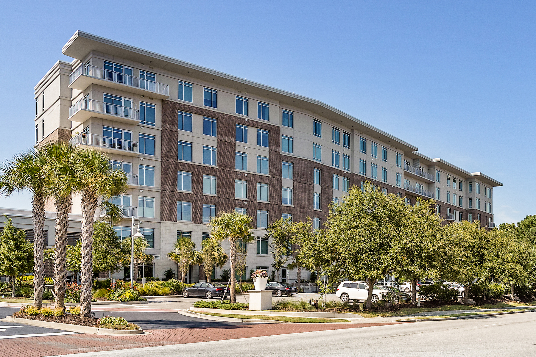 Condominiums for Sale at 155 Wingo Way, Unit 412 155 Wingo Way Unit 412 Mount Pleasant, South Carolina 29464 United States