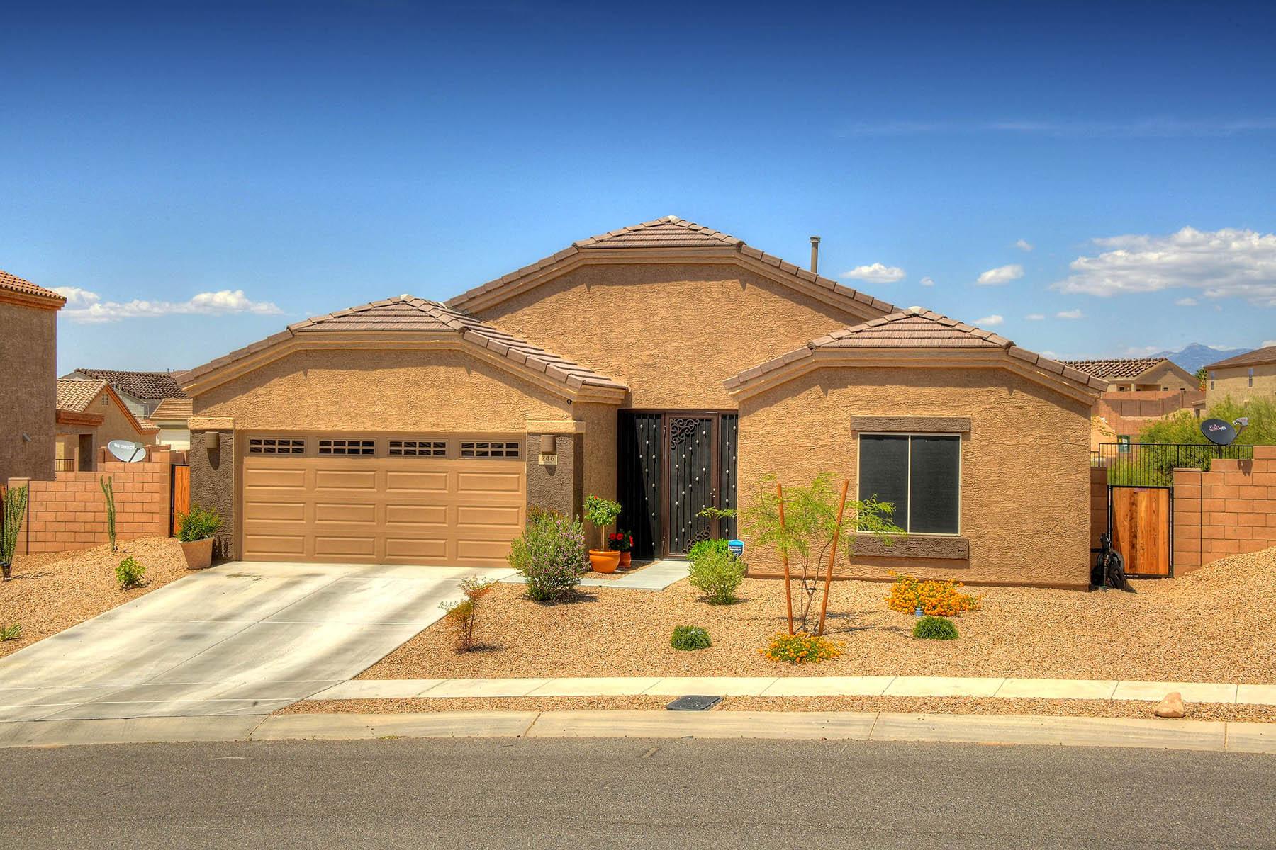 Single Family Homes por un Venta en Great Family Home In Vail School District 246 W. Herschel H. Hobbs Place Vail, Arizona 85641 Estados Unidos