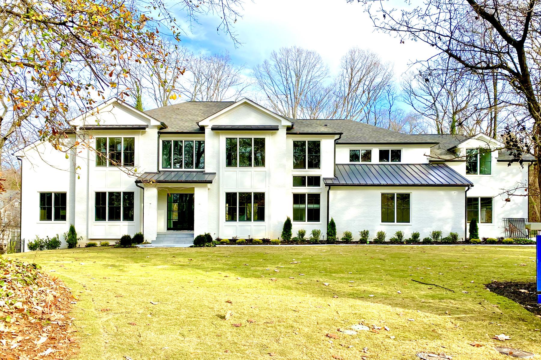 Single Family Homes per Vendita alle ore New Painted Brick Traditional on 1.5+/- Acres Inside I-285 5571 Arundel Drive, Sandy Springs, Georgia 30327 Stati Uniti