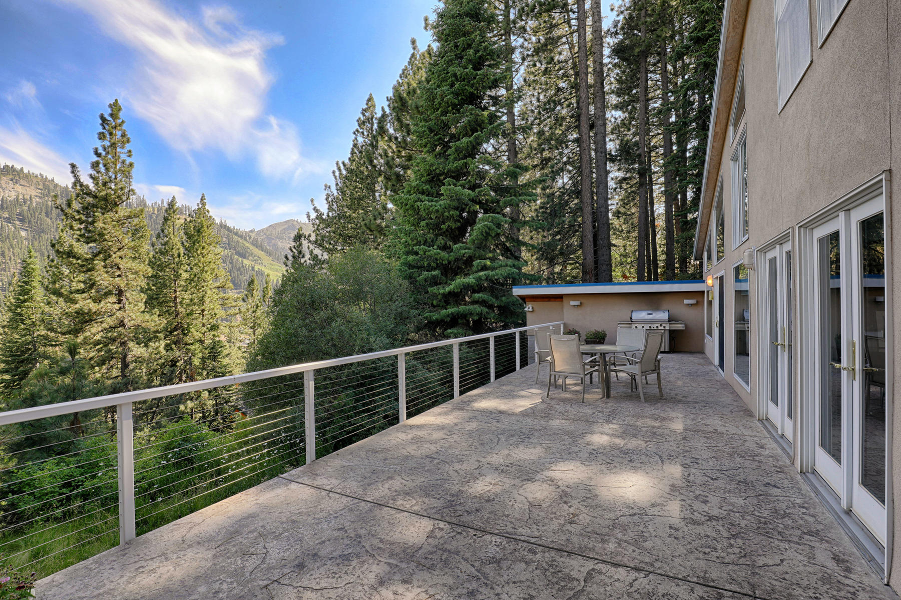 Additional photo for property listing at 1529 Sandy Way, Olympic Valley, CA 1529 Sandy Way Olympic Valley, California 96146 United States