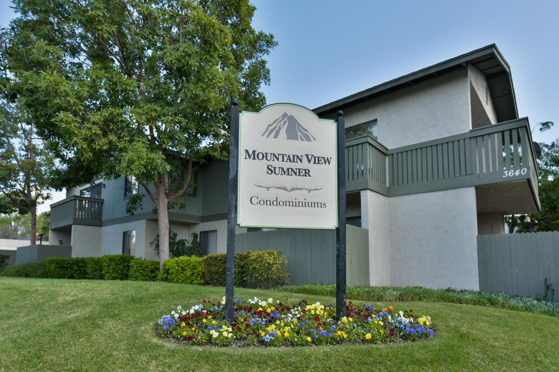 Appartement en copropriété pour l Vente à 3636 Sumner Avenue, # 213 3636 Sumner Avenue # 213 Pomona, Californie 91767 États-Unis