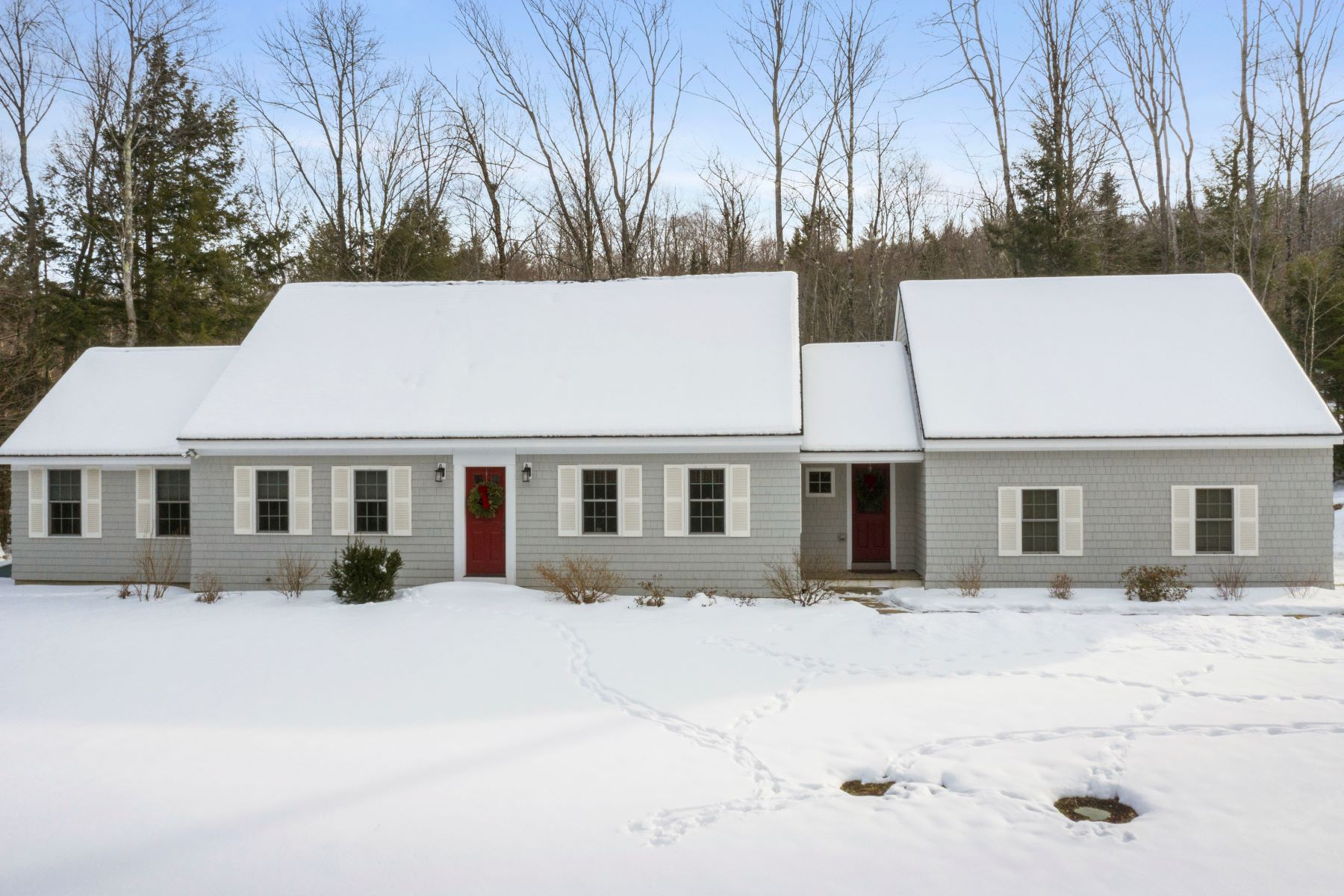 Single Family Homes for Sale at Three Bedroom Cape in Grantham 137 Woodland Heights Grantham, New Hampshire 03753 United States