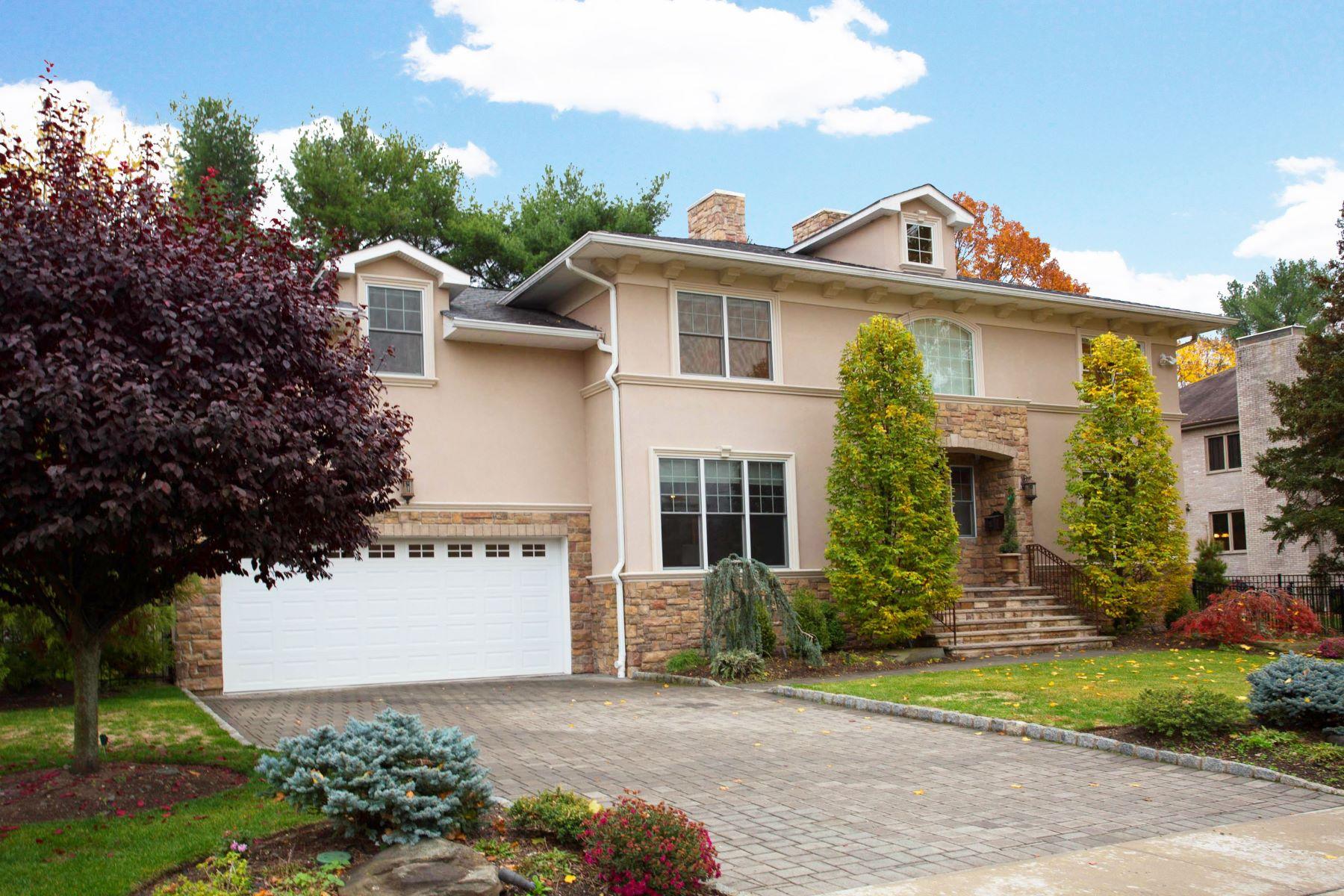Enfamiljshus för Försäljning vid East Hill Colonial 38 Kinkaid Ave, Closter, New Jersey 07624 Förenta staterna