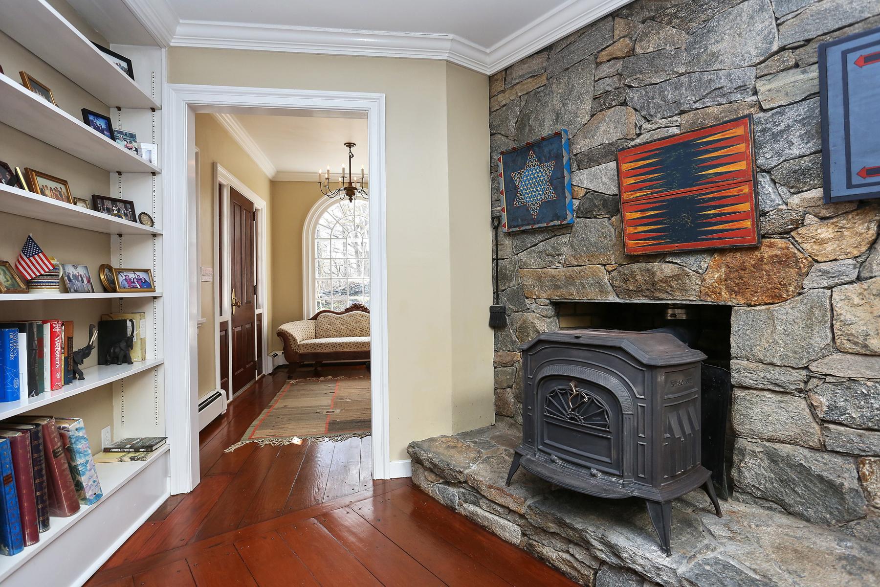 Nhà ở một gia đình vì Bán tại Country Charm 97 Little Town Lane, Bedford, New York, 10506 Hoa Kỳ
