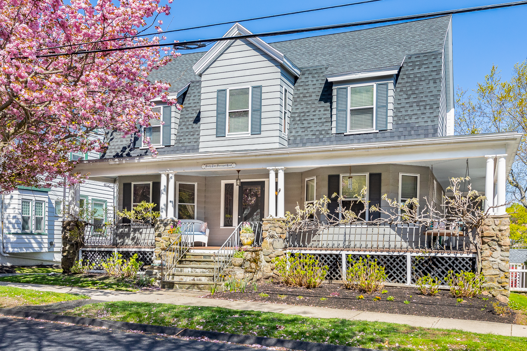 Single Family Homes for Active at Lovely Dutch Gambrel Colonial 62 Farragut Road Swampscott, Massachusetts 01907 United States