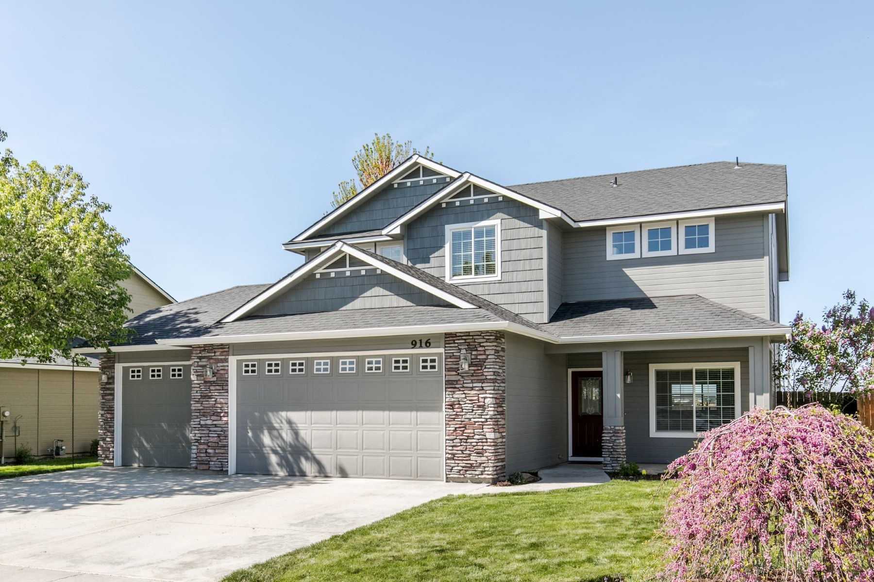 Single Family Home for Active at 916 White Sands, Meridian 916 W White Sands Meridian, Idaho 83646 United States