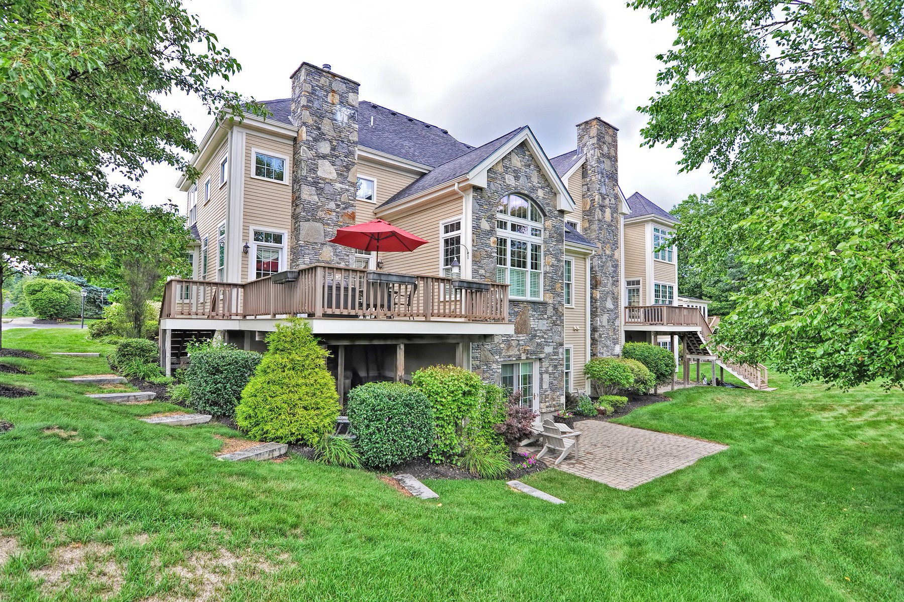 Townhouse for Active at Luxury Living - Near Pleasant Valley Country Club 47 Clubhouse Way - Unit 47 Sutton, Massachusetts 01590 United States
