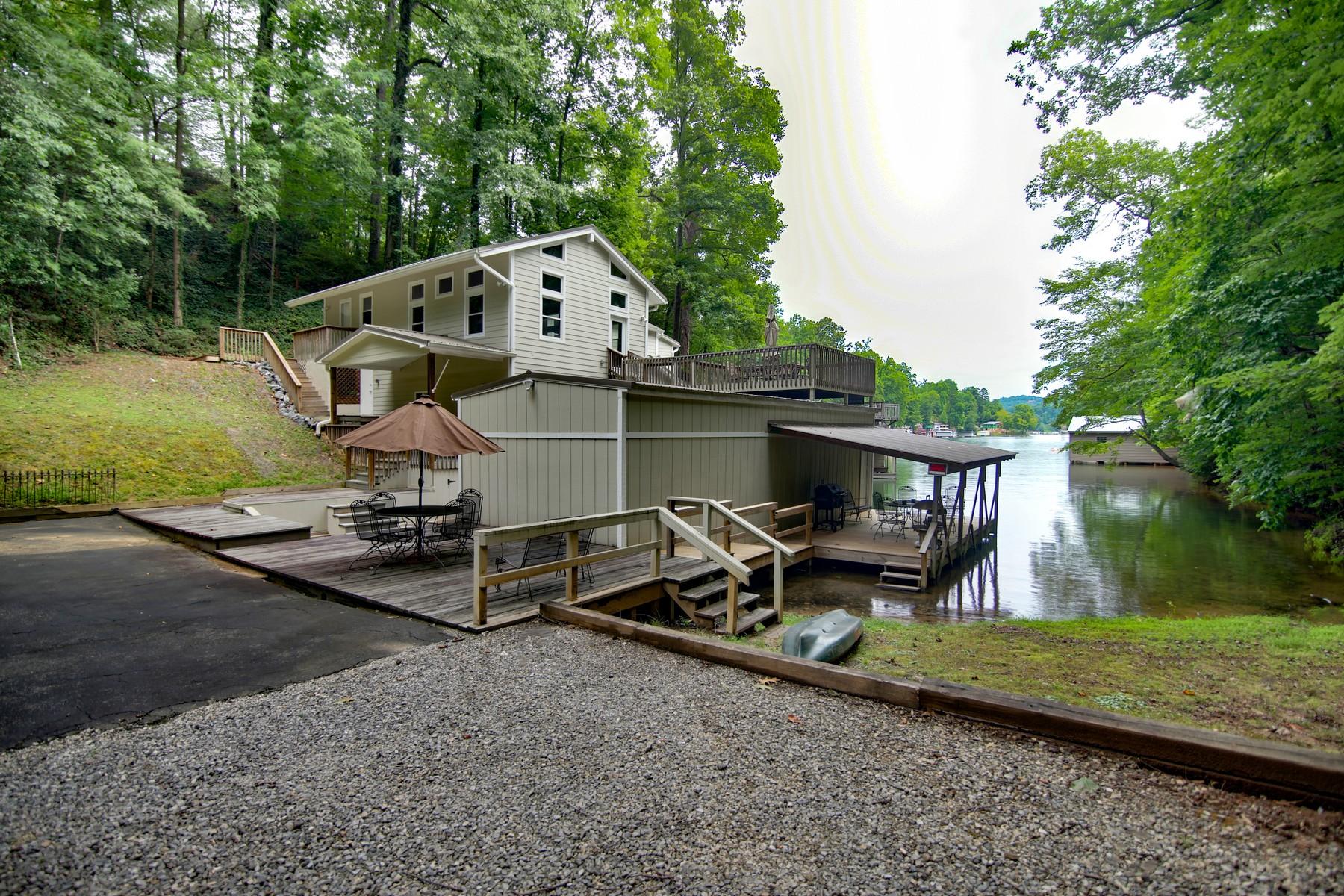 Nhà ở một gia đình vì Bán tại 378 Charlotte Drive Town of Lake Lure NC 28746 278 Charlotte Drive Lake Lure, Bắc Carolina, 28746 Hoa Kỳ