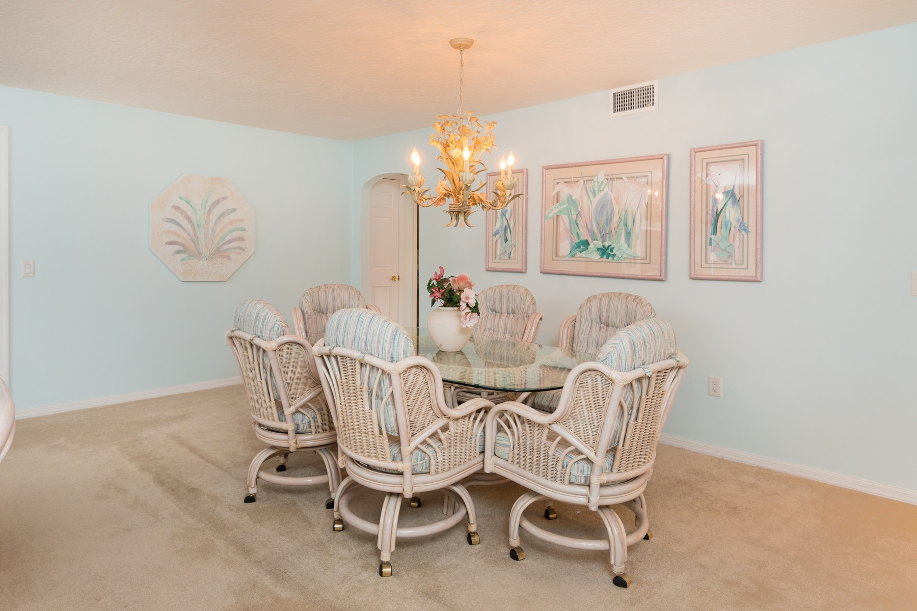 Additional photo for property listing at South Shores Oceanside Condo 5635 S Highway A1A #803 Melbourne Beach, Florida 32951 United States