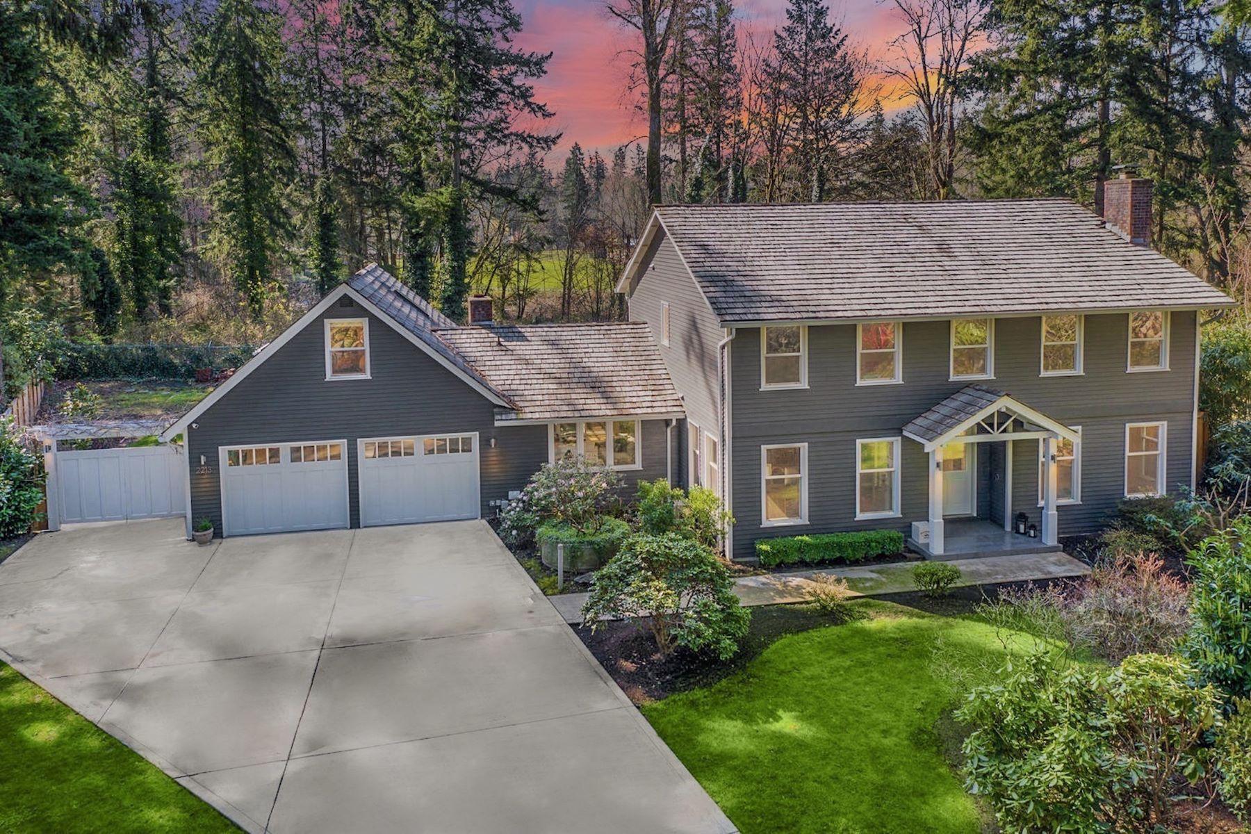 Single Family Homes 용 매매 에 Private Sahalee Estates 2213 Sahalee Dr W Sammamish, 워싱톤 98074 미국
