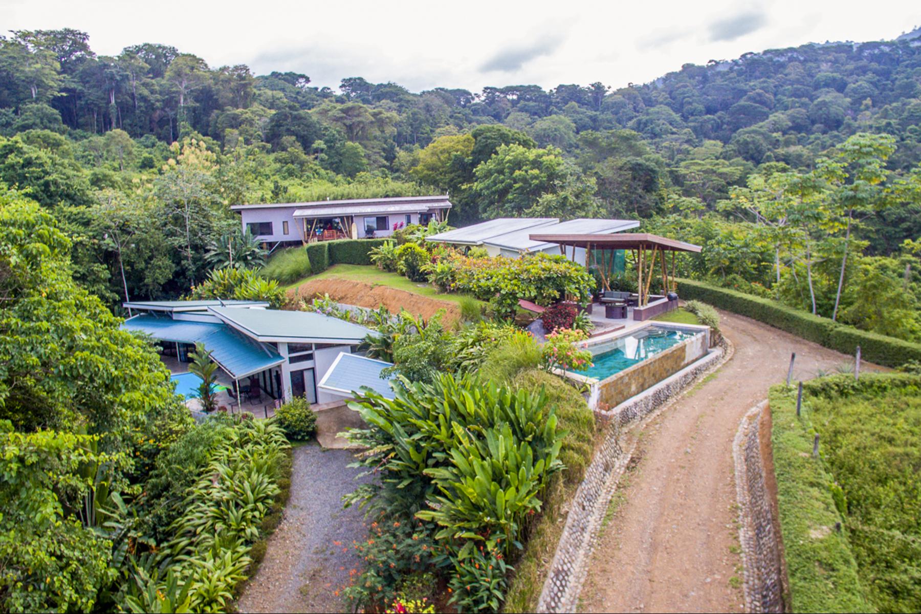 Single Family Homes por un Venta en Ocean View Boutique Hotel + Two Homes, Uvita Puntarenas, Puntarenas Costa Rica