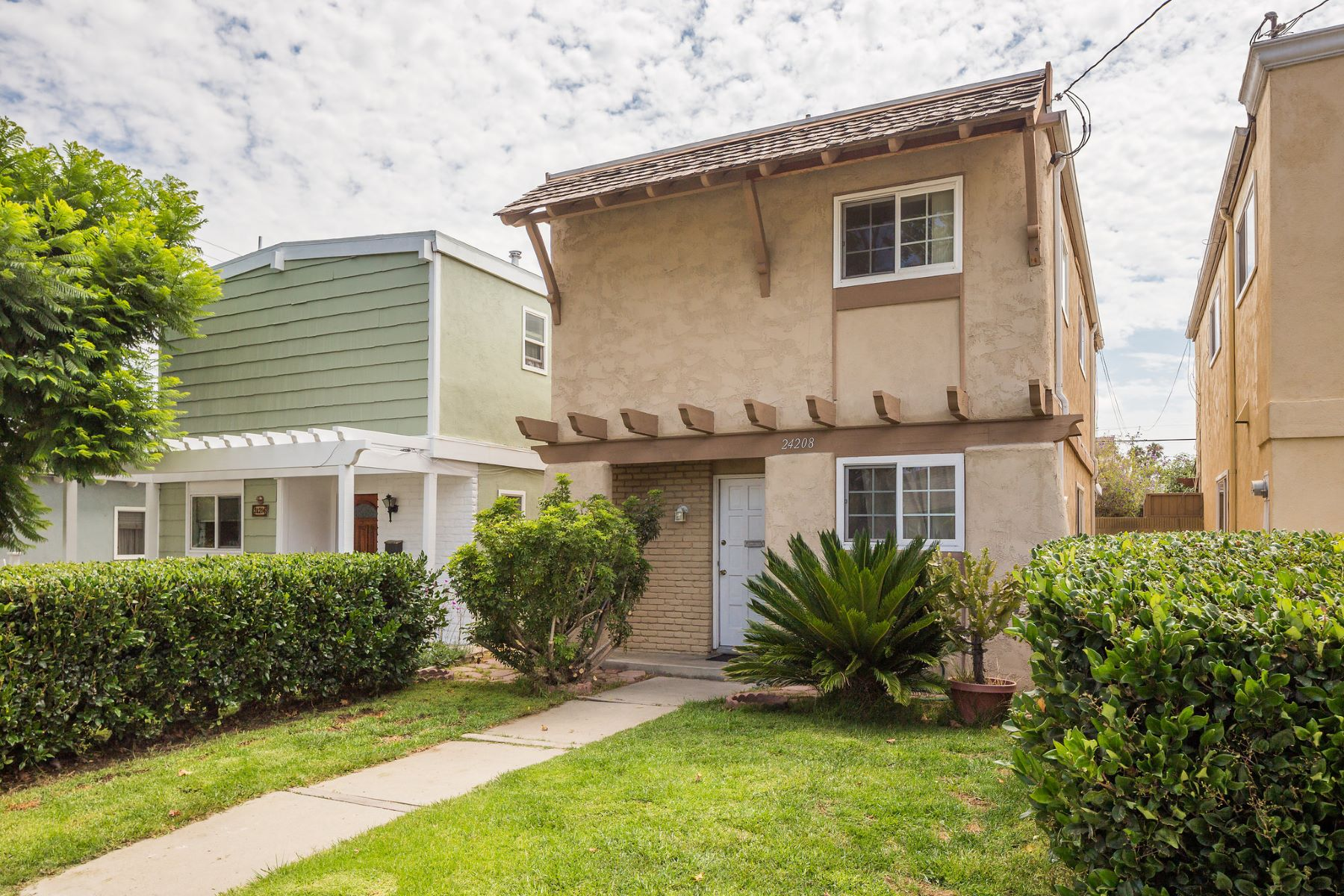 Villa per Vendita alle ore 24208 Park St, Torrance 90505 24208 Park Street Torrance, California, 90505 Stati Uniti