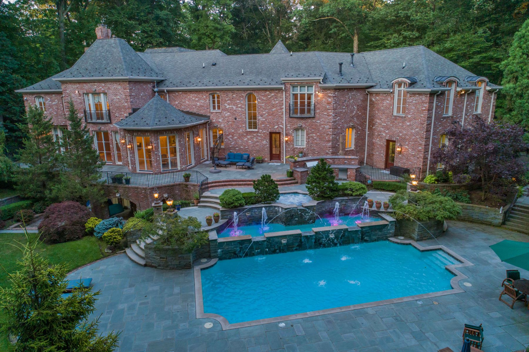 Single Family Homes for Active at ONE OF KIND MASTERPIECE 47 Fox Hedge Rd. Saddle River, New Jersey 07458 United States