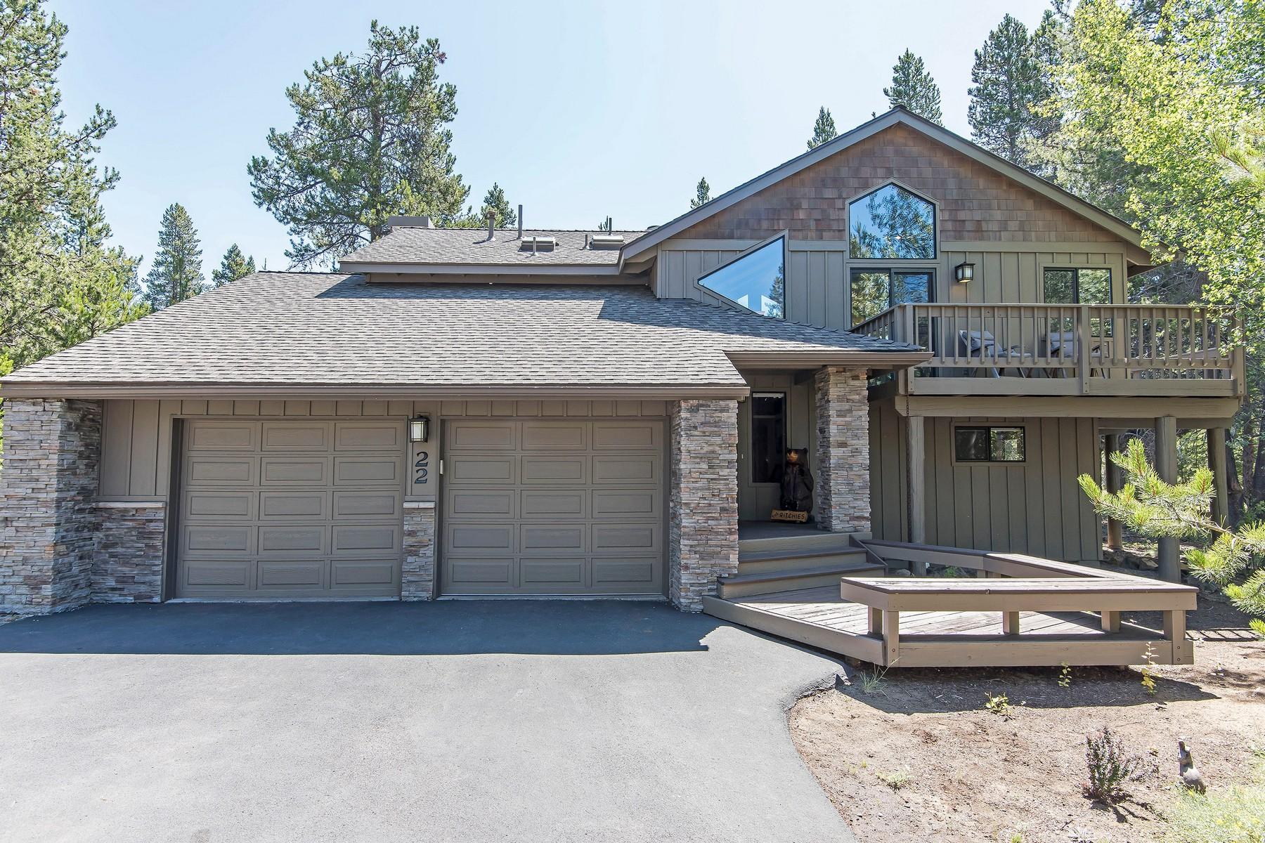 Single Family Homes pour l Vente à 57942-22 Cypress Lane Sunriver, OR Sunriver, Oregon 97707 États-Unis