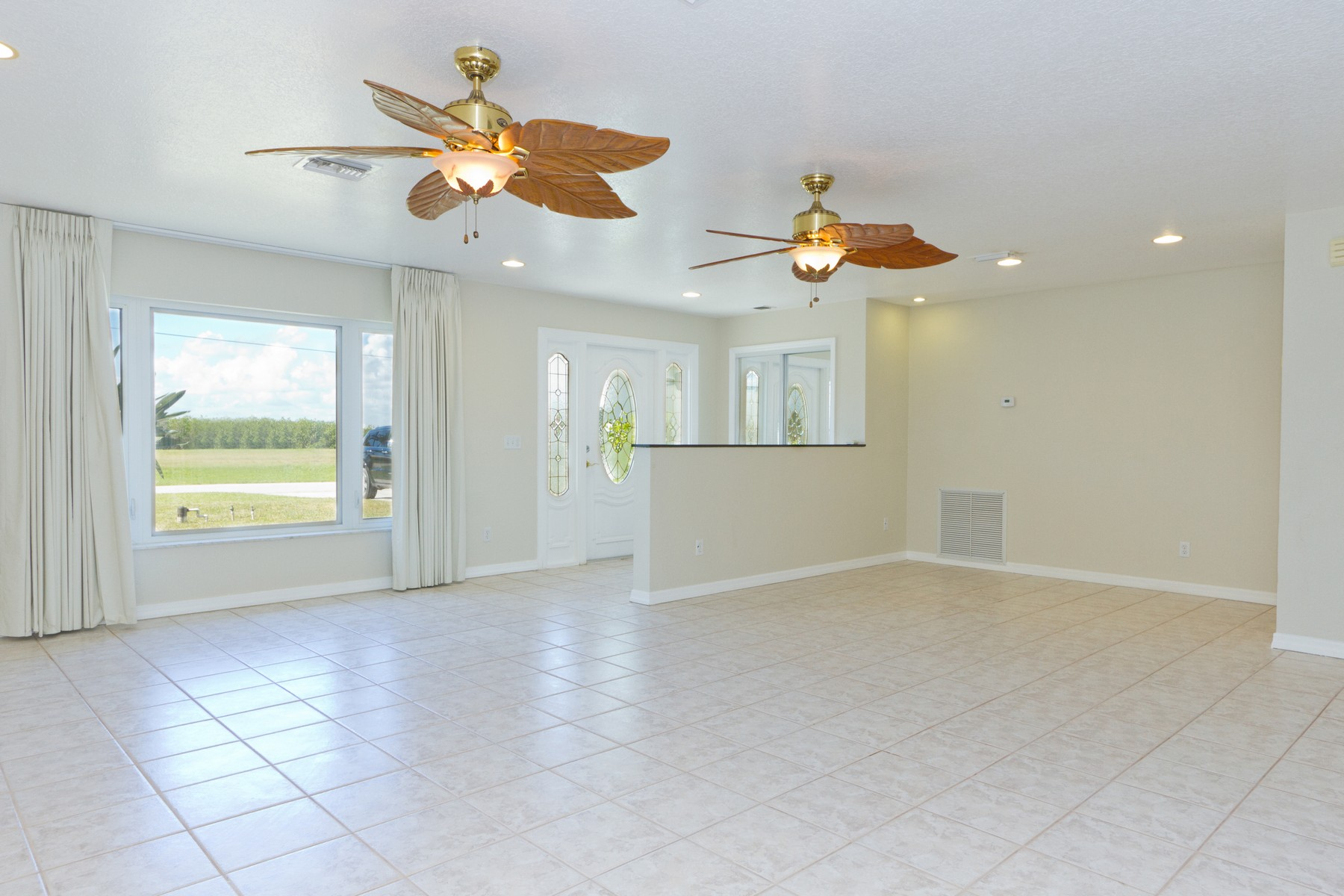 Additional photo for property listing at Fantastic Location Steps to the Intracoastal 1660 Thumb Point Drive Fort Pierce, Florida 34949 United States