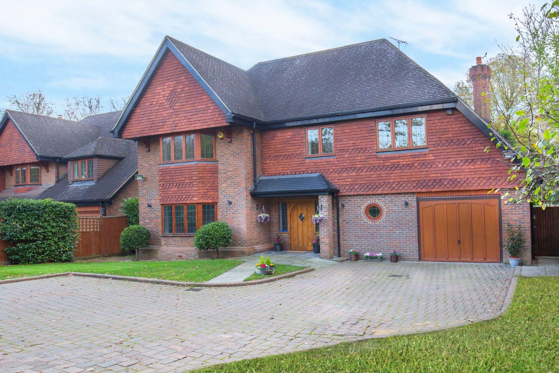 Single Family Homes for Sale at Leatherhead Road, Oxshott, Surrey, KT22 Oxford House Leatherhead Road Oxshott, England KT22 0ET United Kingdom