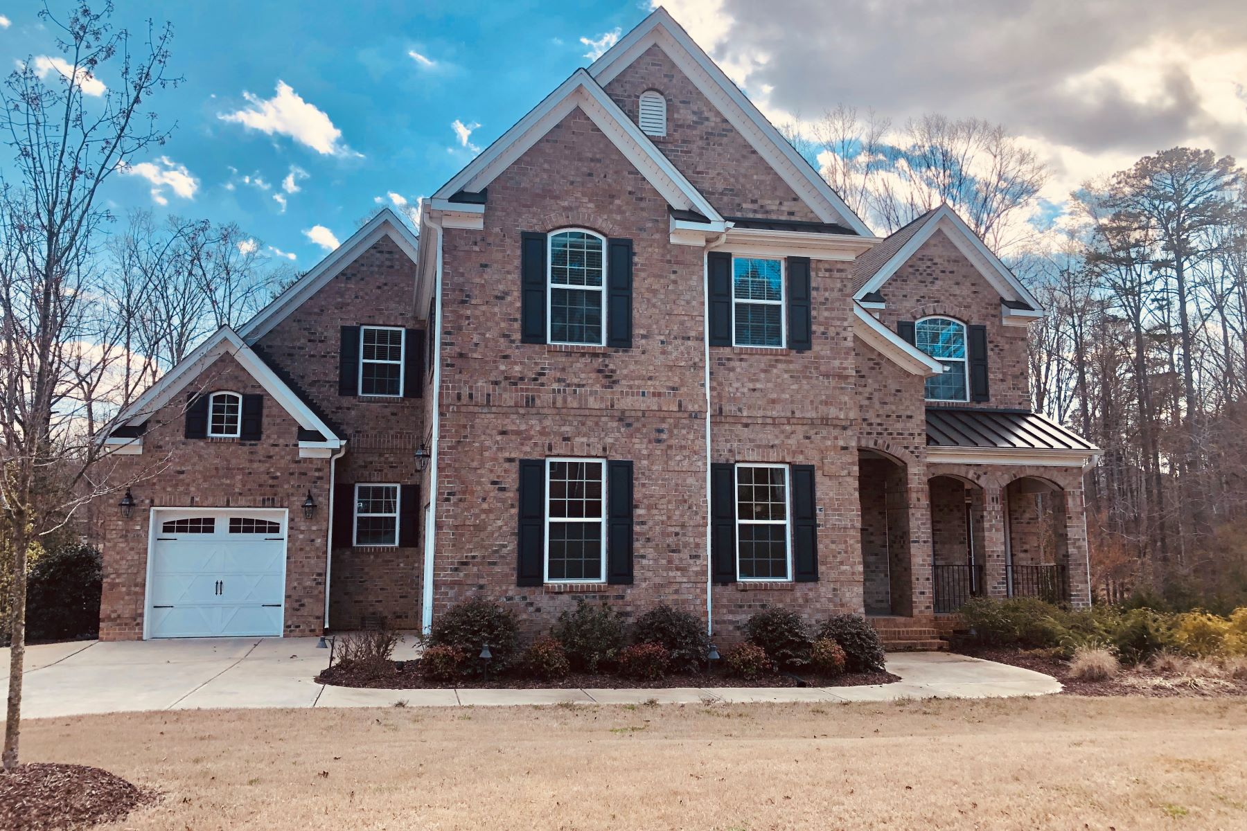 Single Family Home for Active at 5012 Darcy Woods Lane Fuquay Varina, North Carolina 27526 United States