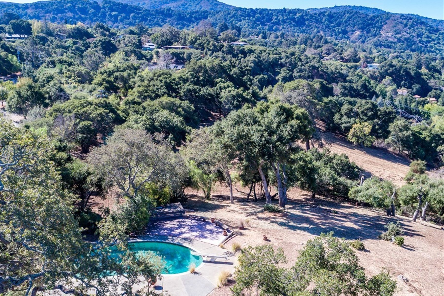 Additional photo for property listing at Brand New, Expansive Private Setting, Panoramic Views 12355 Stonebrook Dr Los Altos Hills, 加利福尼亚州 94022 美国