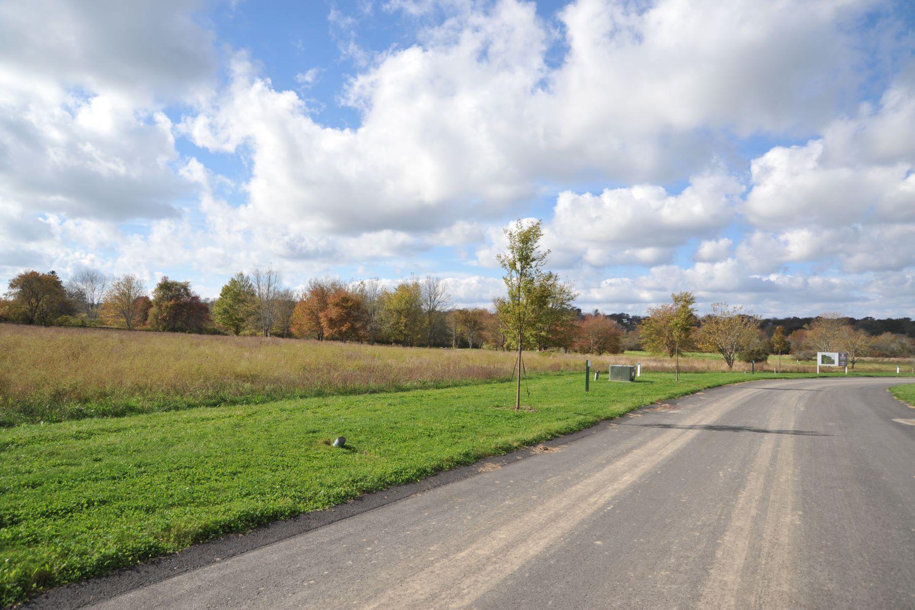 土地,用地 为 销售 在 Middle Creek Farm - Lot 0 Cornelius Drive, Lot 2 米德尔敦, 罗得岛 02842 美国