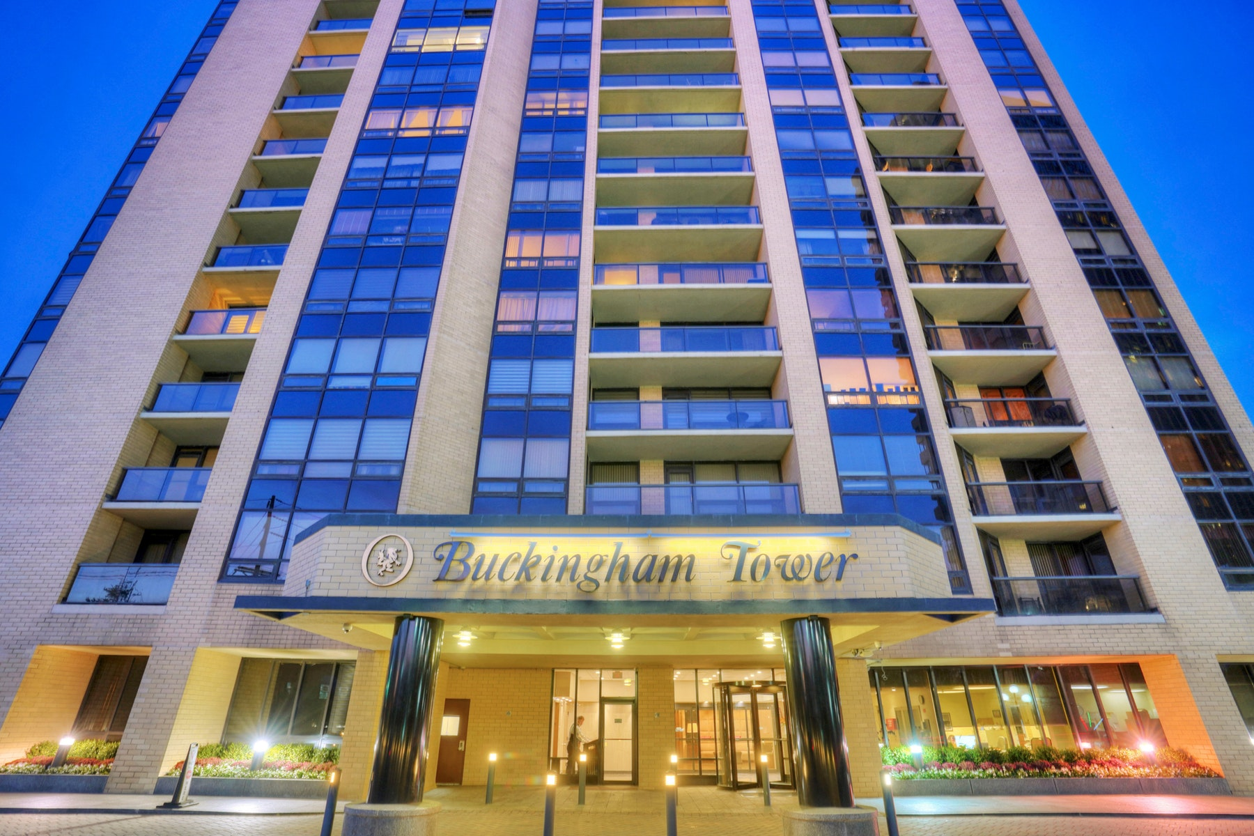 Condominiums por un Venta en Buckingham Tower 800 Palisade Ave #22E Fort Lee, Nueva Jersey 07024 Estados Unidos