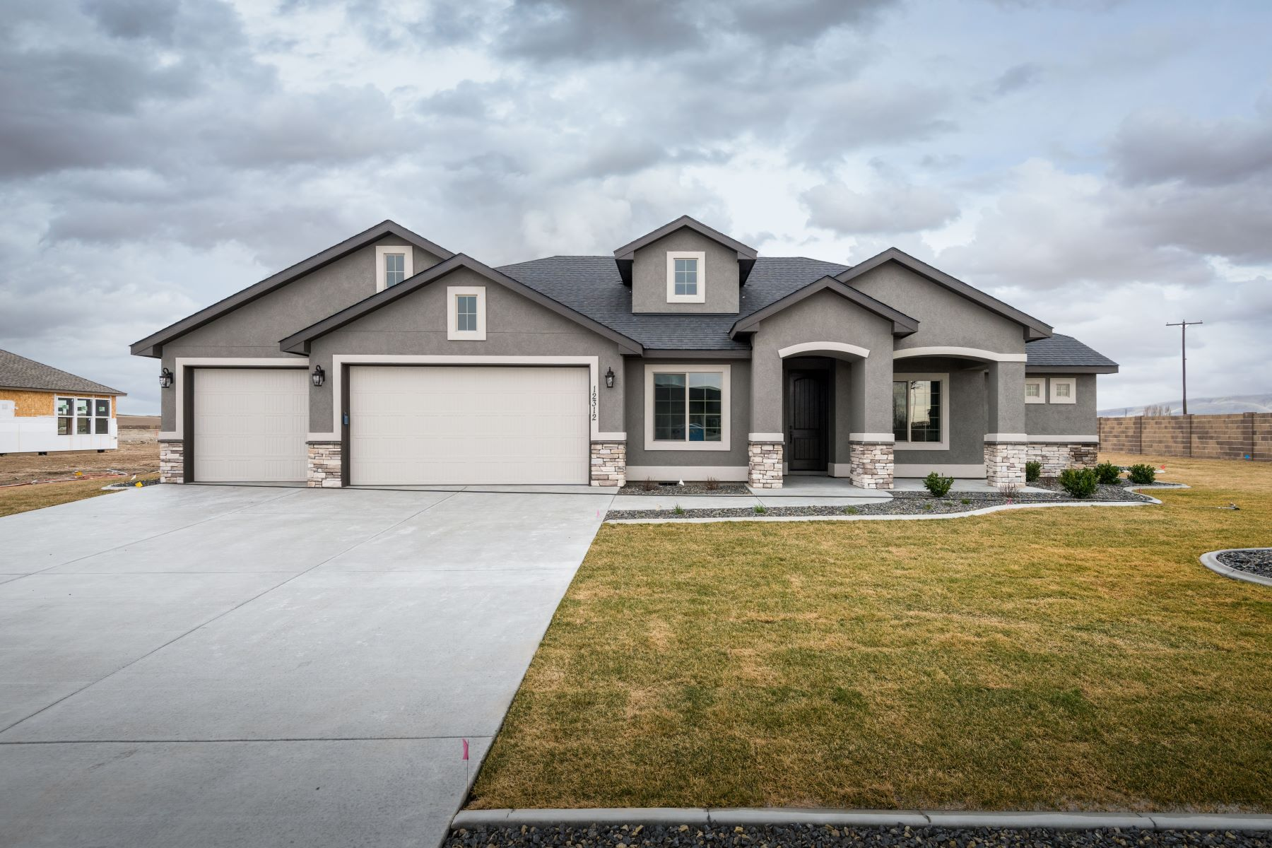 Single Family Homes for Sale at Large Rambler Basement with View 5329 S Kent Street Kennewick, Washington 99337 United States