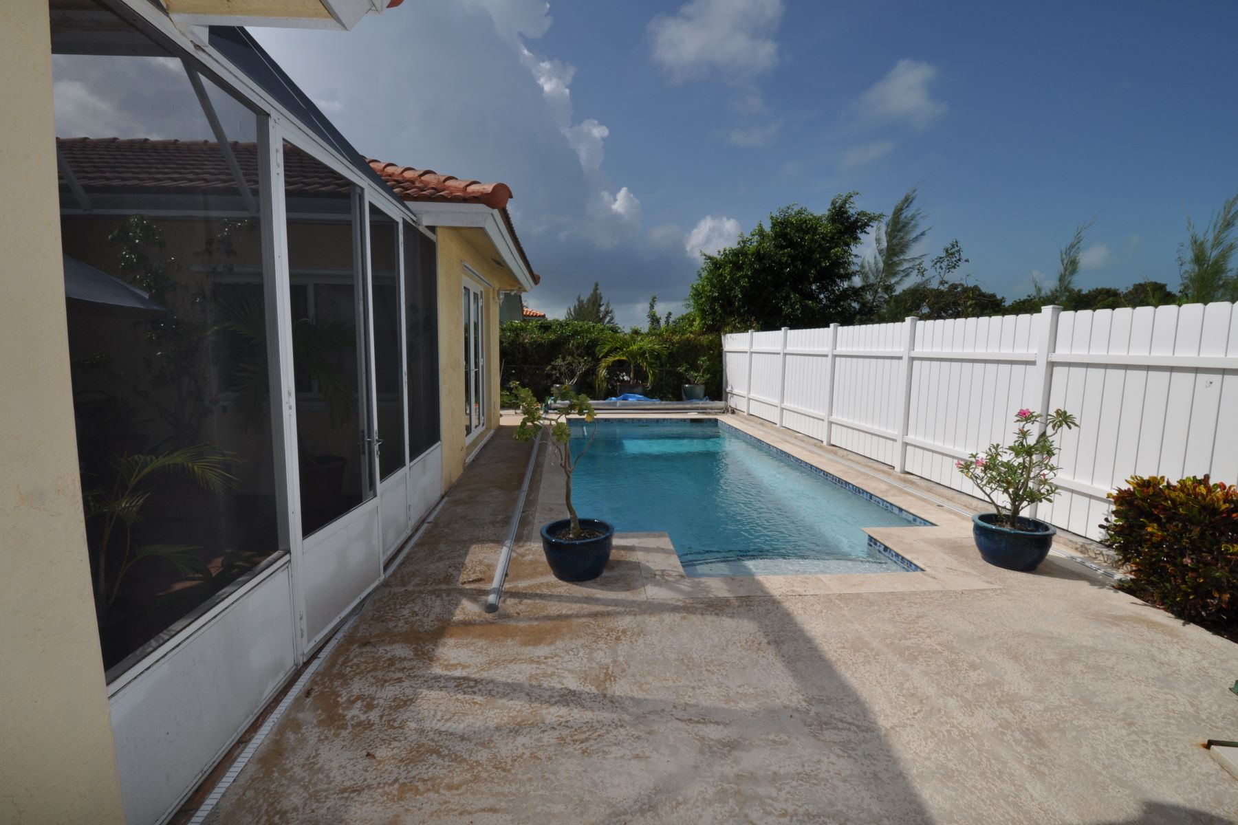 Additional photo for property listing at Treasure Cove House with Pool #157 Treasure Cove, Yamacraw, Nassau And Paradise Island Bahamas
