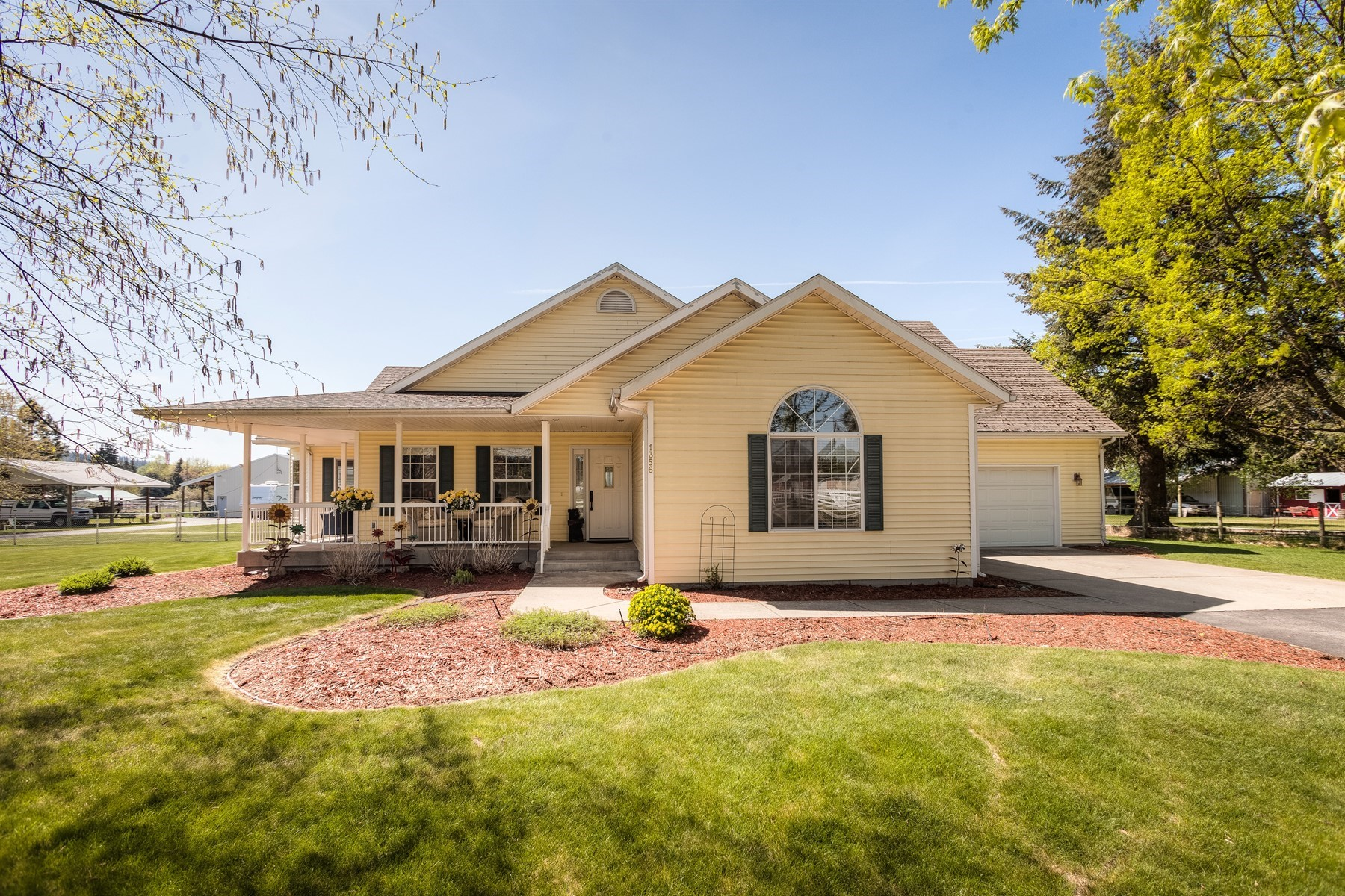 Single Family Home for Active at Rare Dalton Gardens custom-built home 1356 E Wilbur Ave Dalton Gardens, Idaho 83815 United States