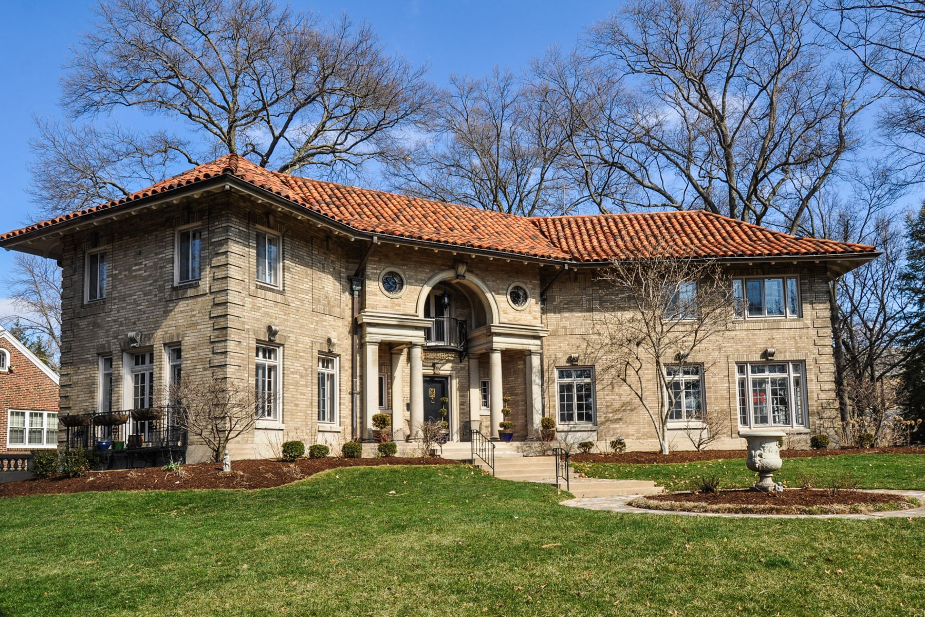 Additional photo for property listing at Italian Renaissance masterpiece 7201 Greenway Avenue University City, Missouri 63130 United States