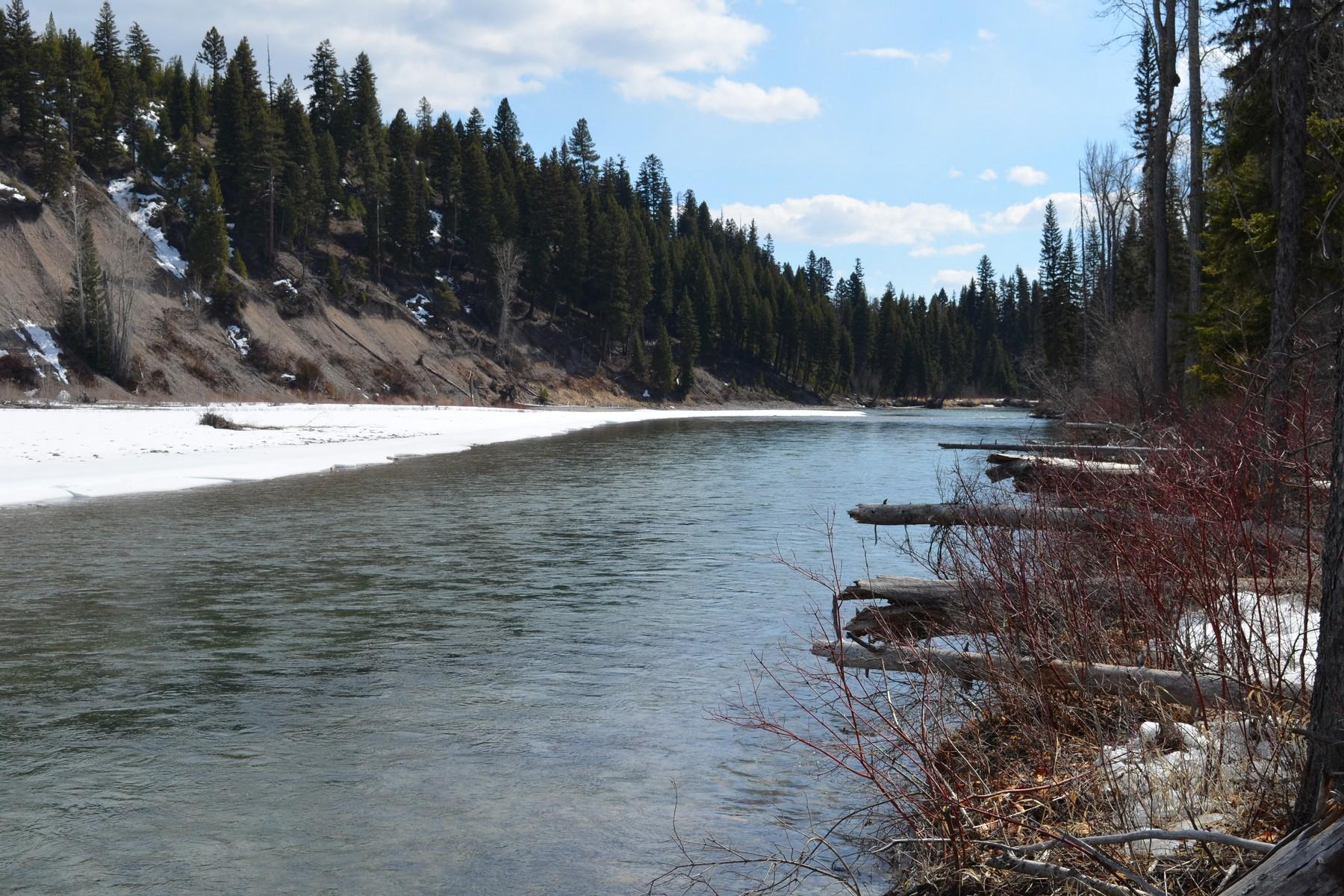 Terreno por un Venta en 297 & 308 Polebridge Loop Polebridge, Montana 59928 Estados Unidos