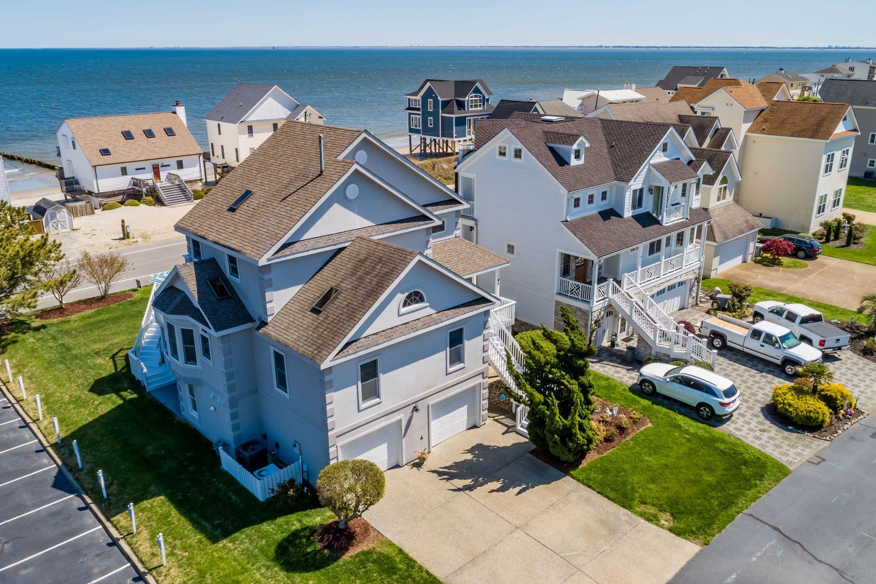 single family homes pour l Vente à SALT PONDS 5 Channel Lane Hampton, Virginia 23664 États-Unis