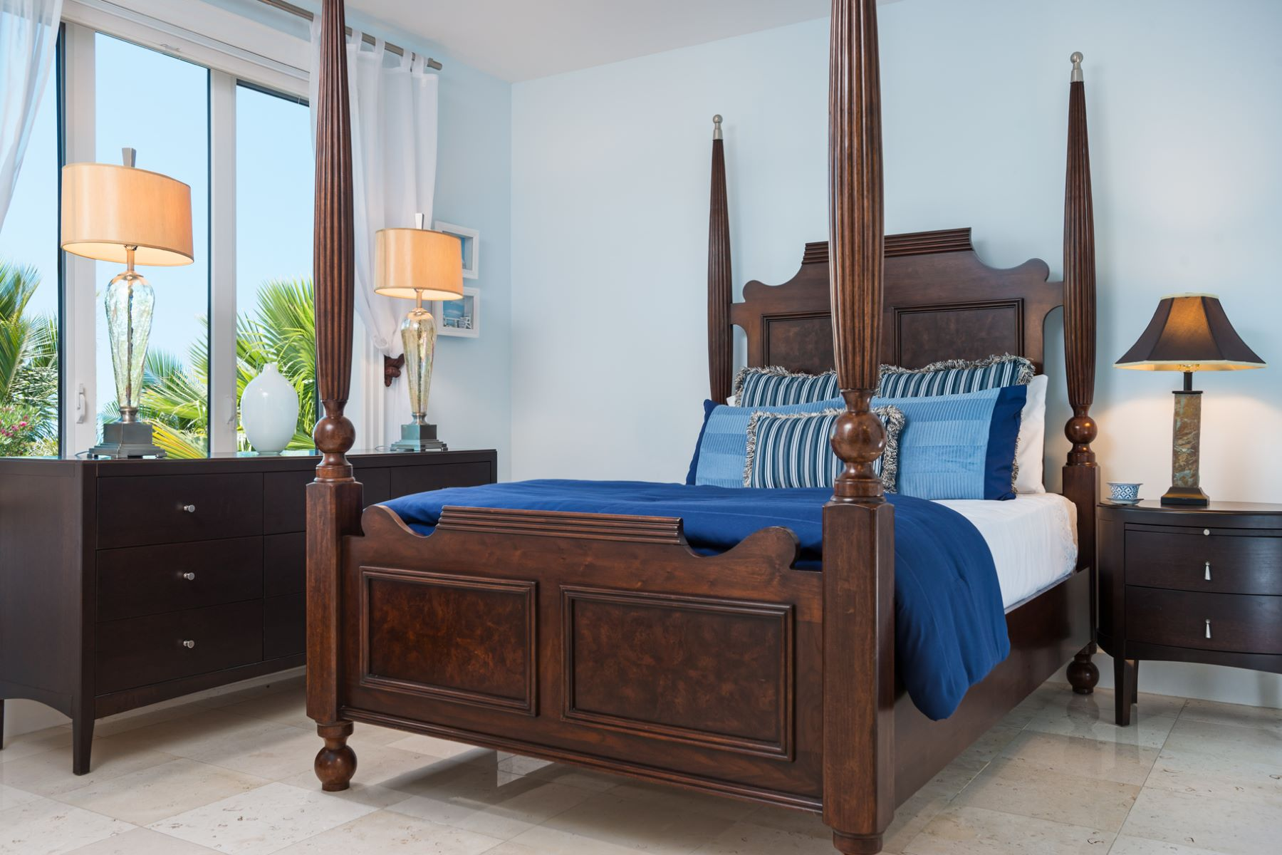 Additional photo for property listing at The Pinnacle Suite 109 and 208 The Pinnacle 109 and 208 Grace Bay, Providenciales TCIBWI Îles Turques Et Caïques