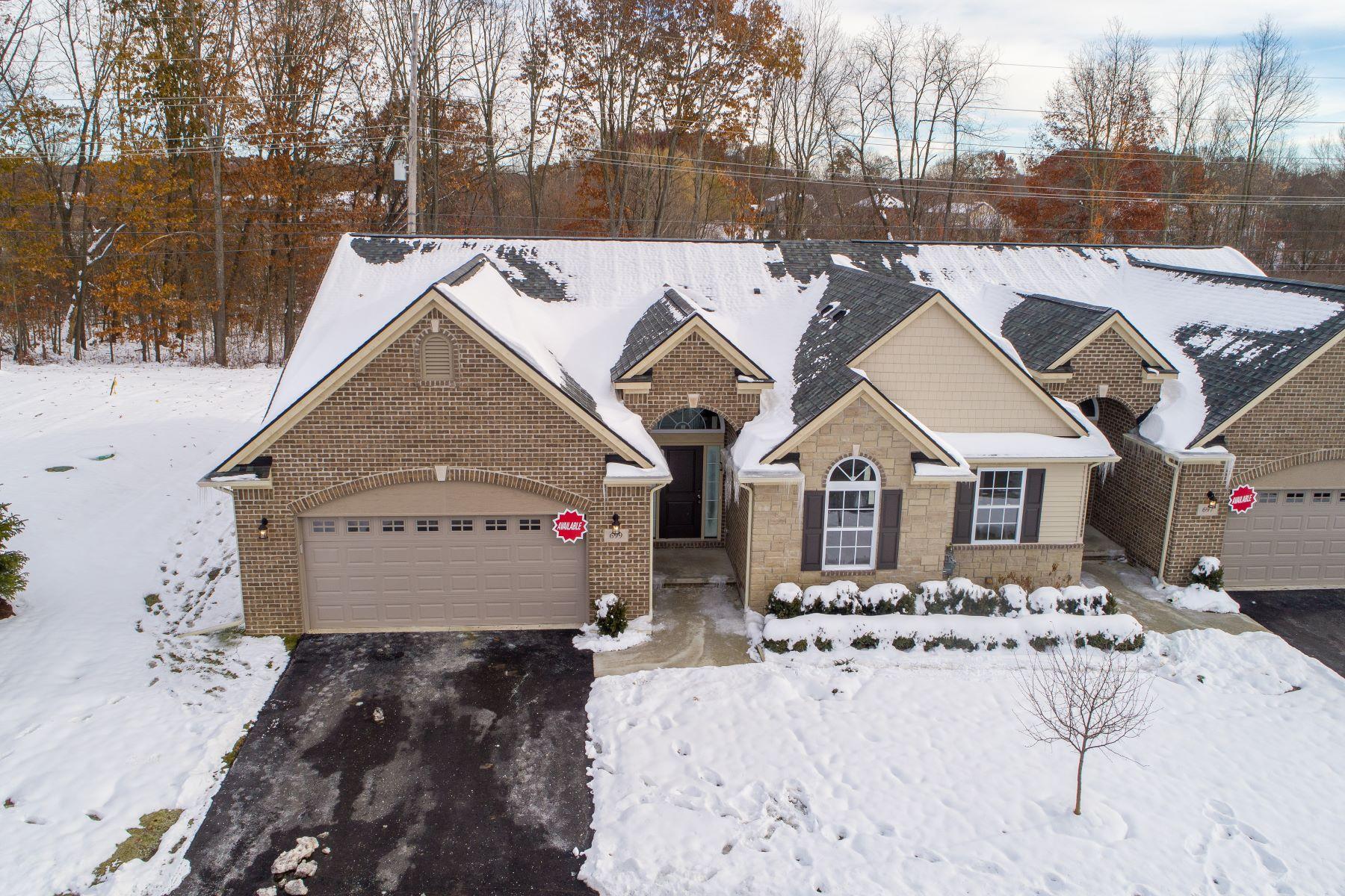 Condominiums para Venda às Milford Township 699 Andover Park E Bldg #1, Milford Twp, Michigan 48381 Estados Unidos