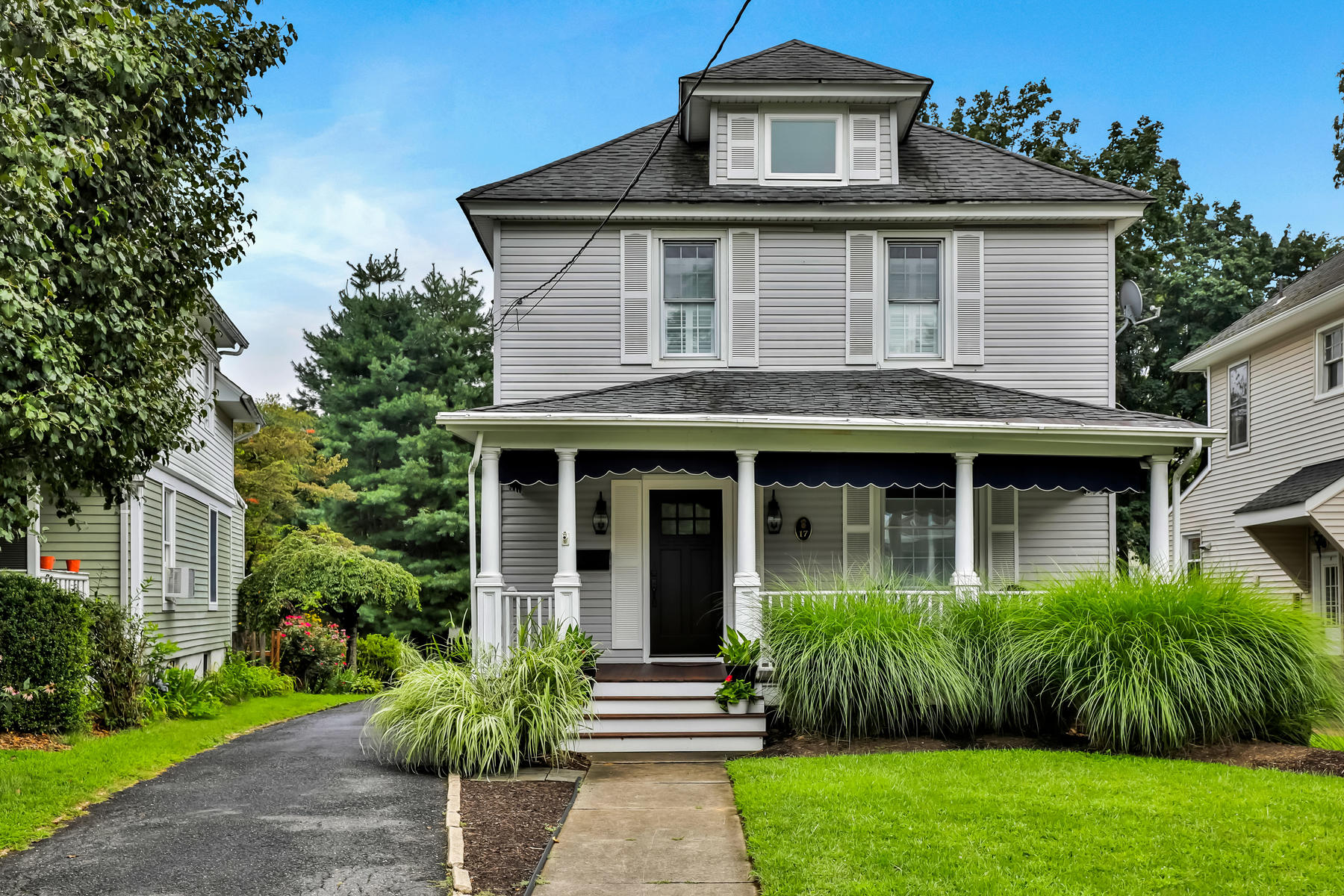 Single Family Homes for Sale at Red Bank Classic 17 Brown Pl Red Bank, New Jersey 07701 United States