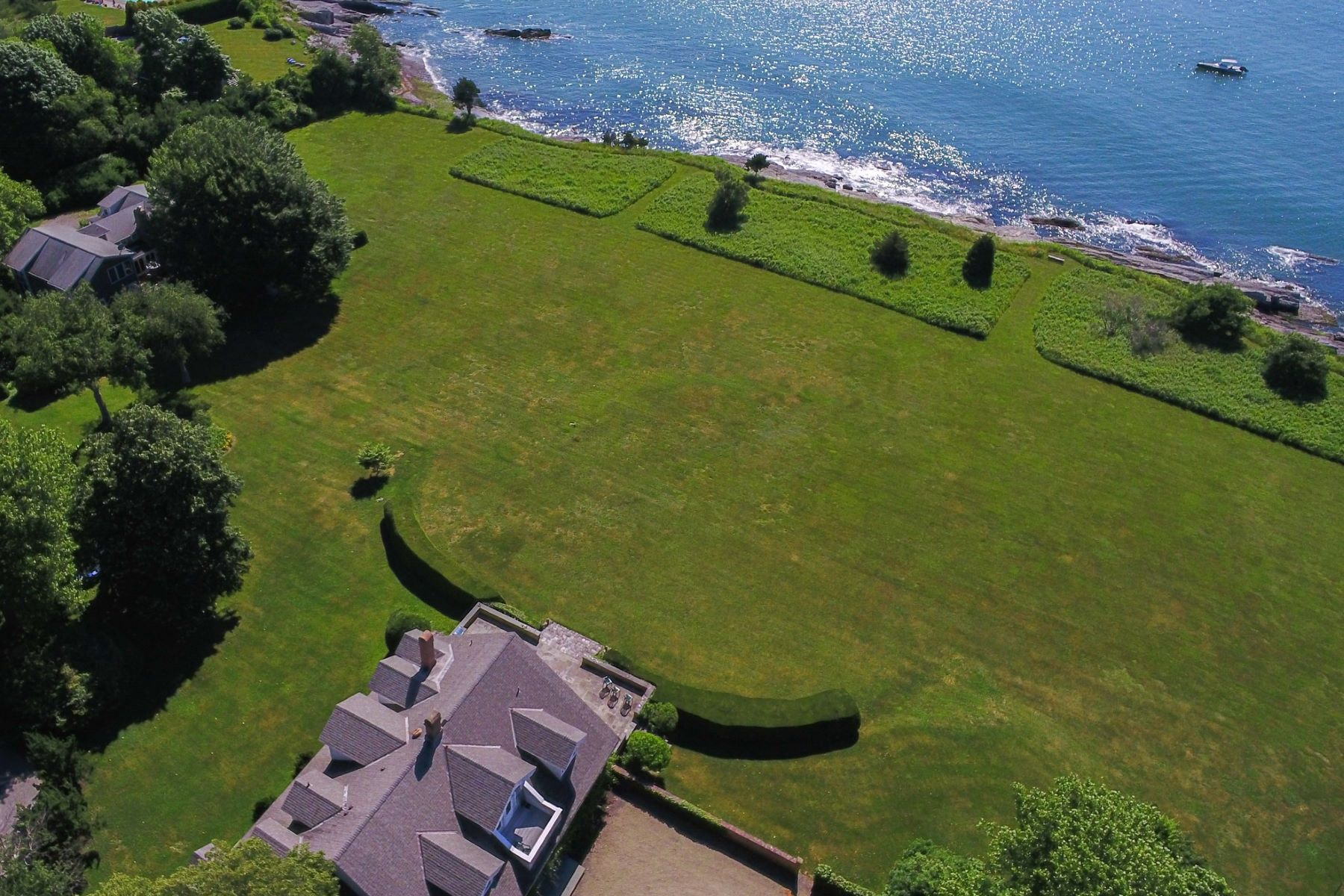 Additional photo for property listing at Indian Avenue Waterfront 561 Indian Avenue Middletown, Rhode Island 02842 United States